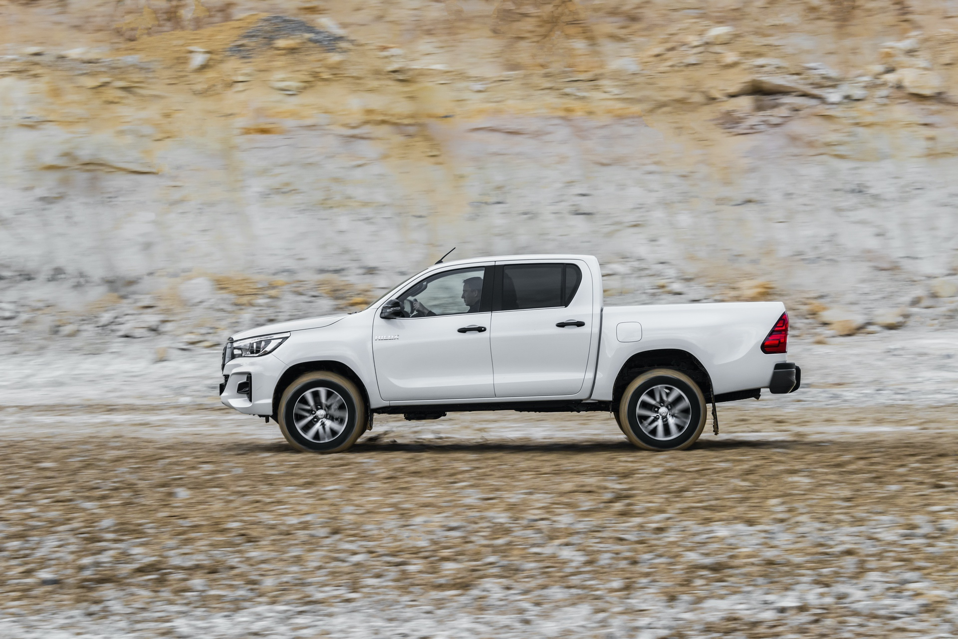 Toyota_Hilux_Special_Edition_0046