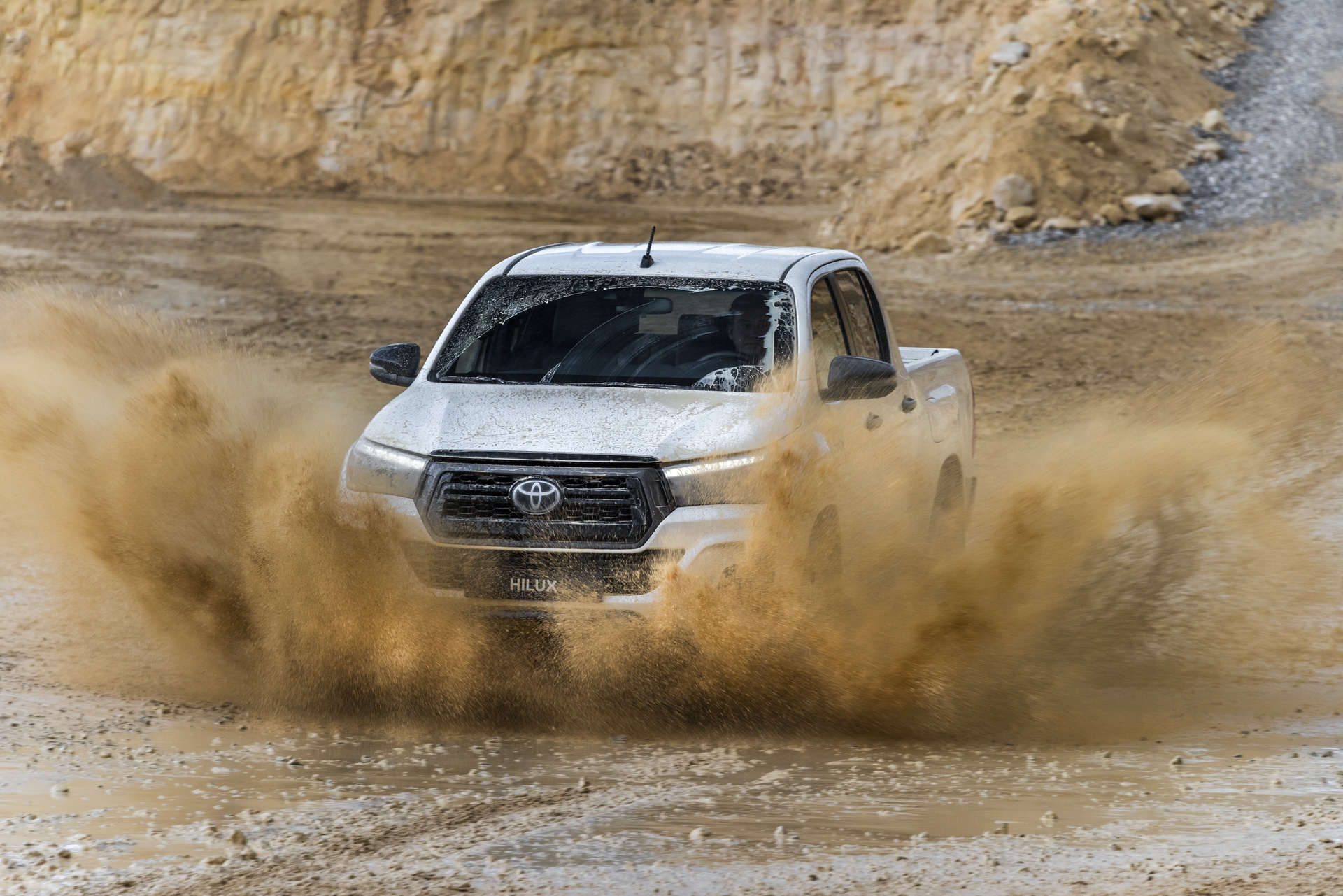 Toyota_Hilux_Special_Edition_0048