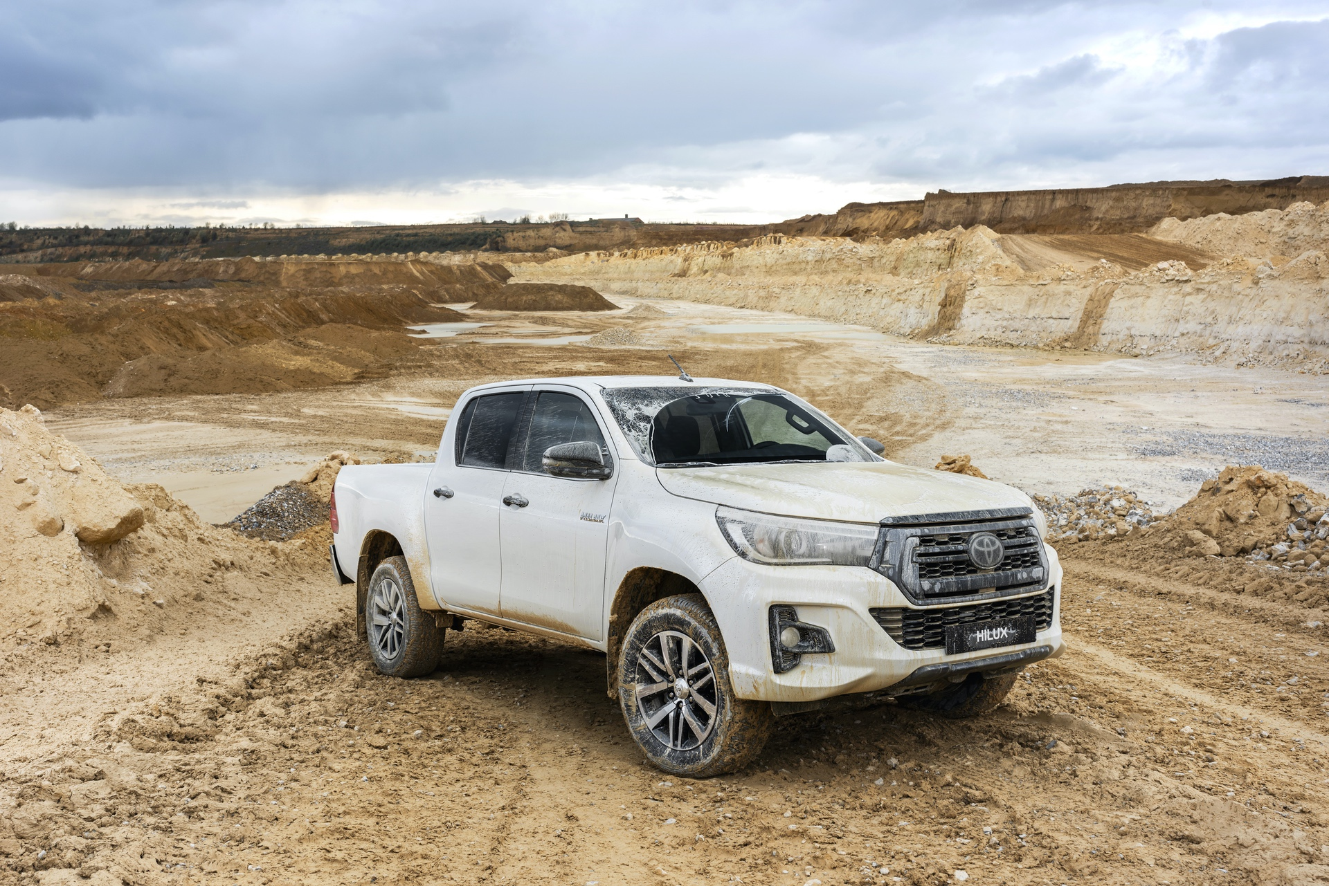 Toyota_Hilux_Special_Edition_0050