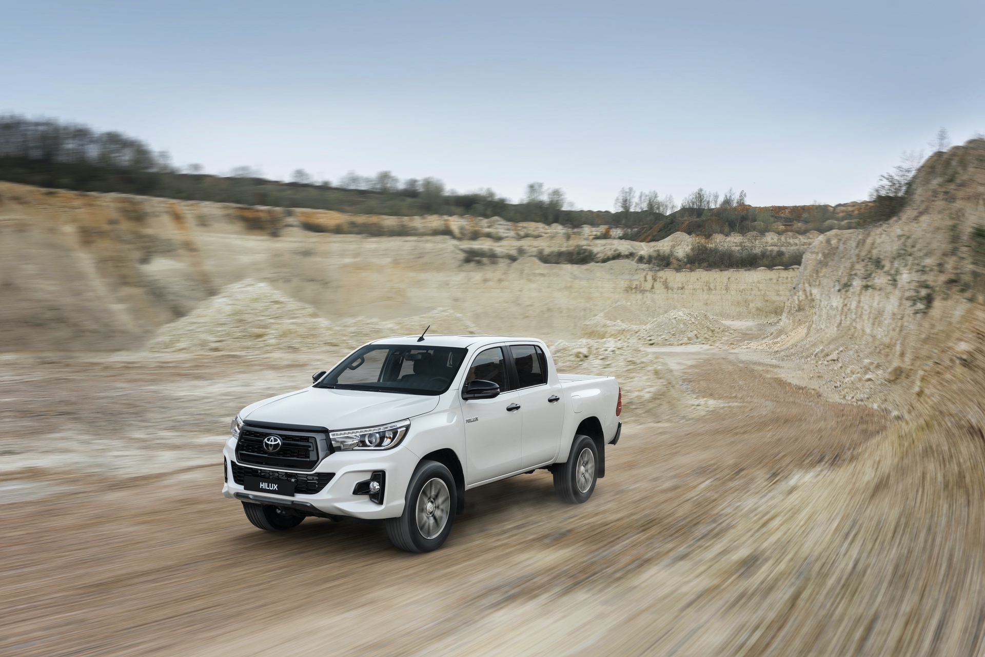 Toyota_Hilux_Special_Edition_0055