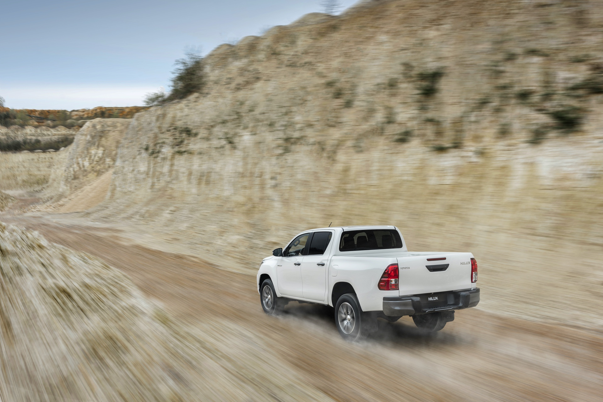 Toyota_Hilux_Special_Edition_0056