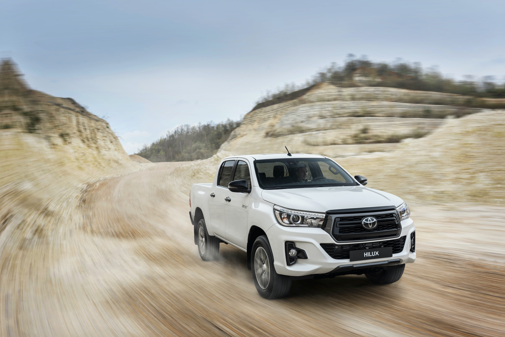 Toyota_Hilux_Special_Edition_0057
