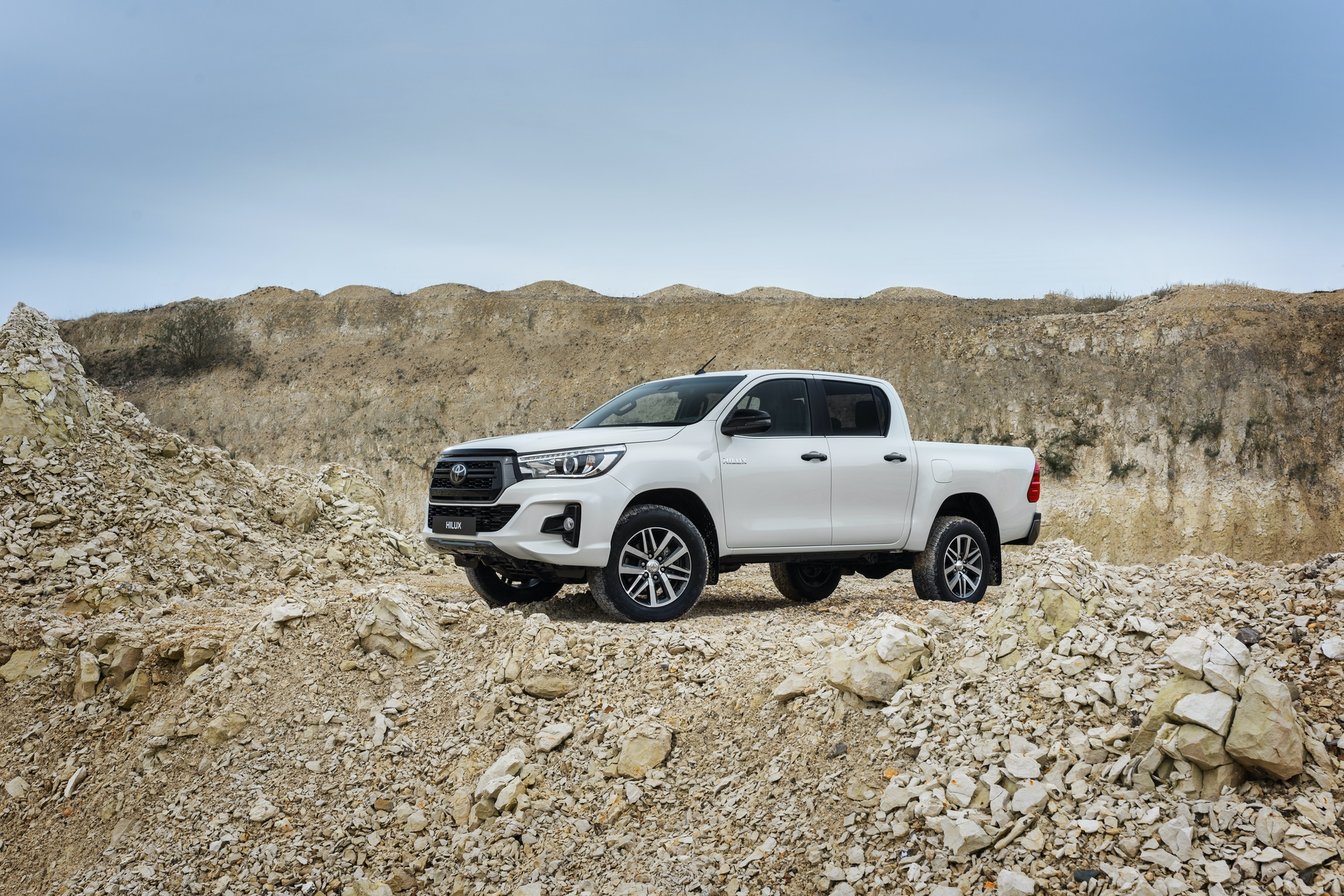 Toyota_Hilux_Special_Edition_0059
