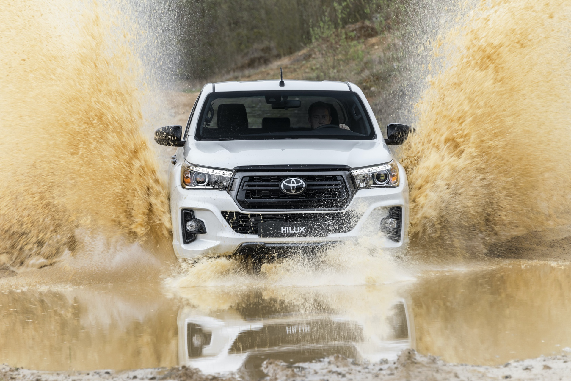 Toyota_Hilux_Special_Edition_0076