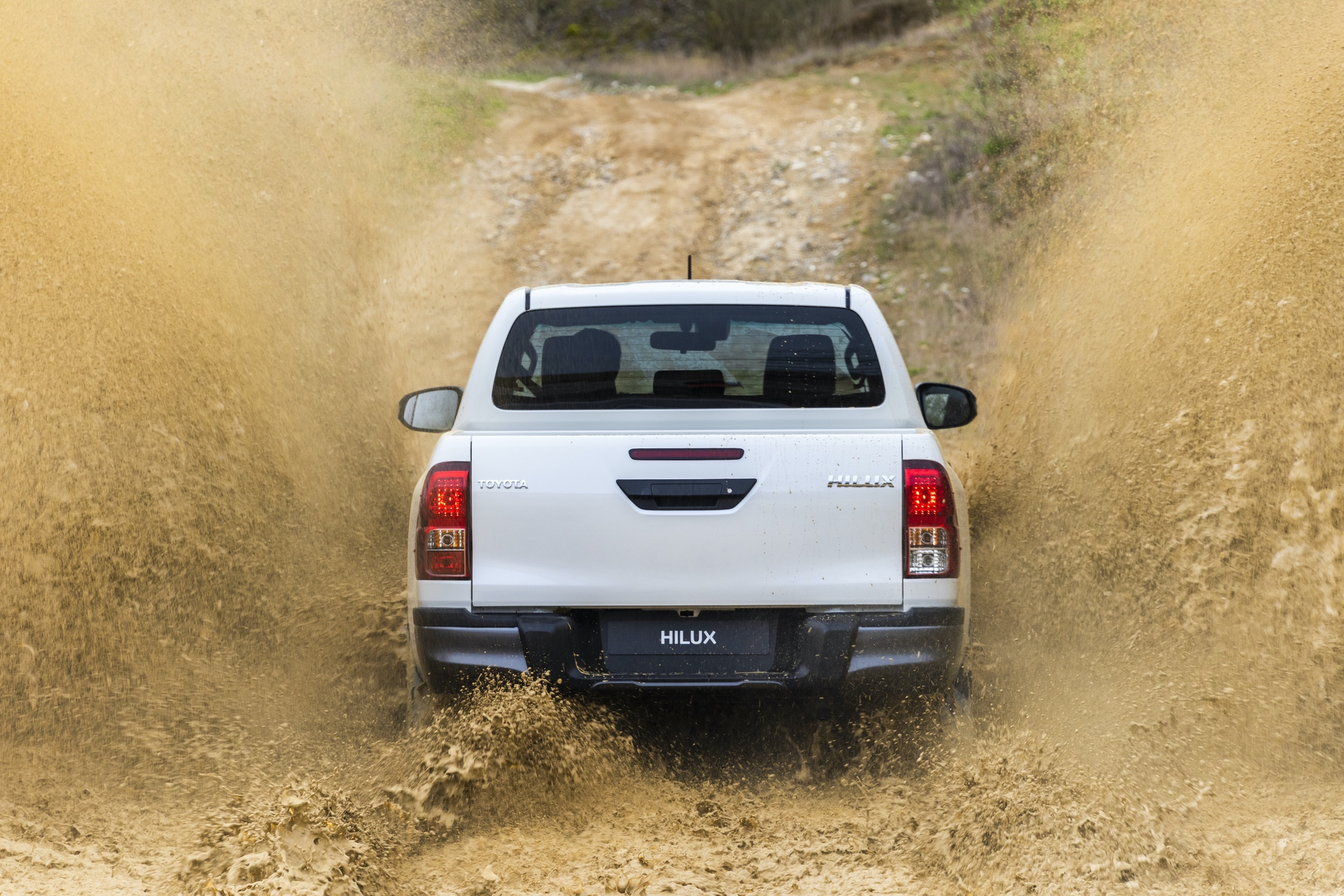 Toyota_Hilux_Special_Edition_0078