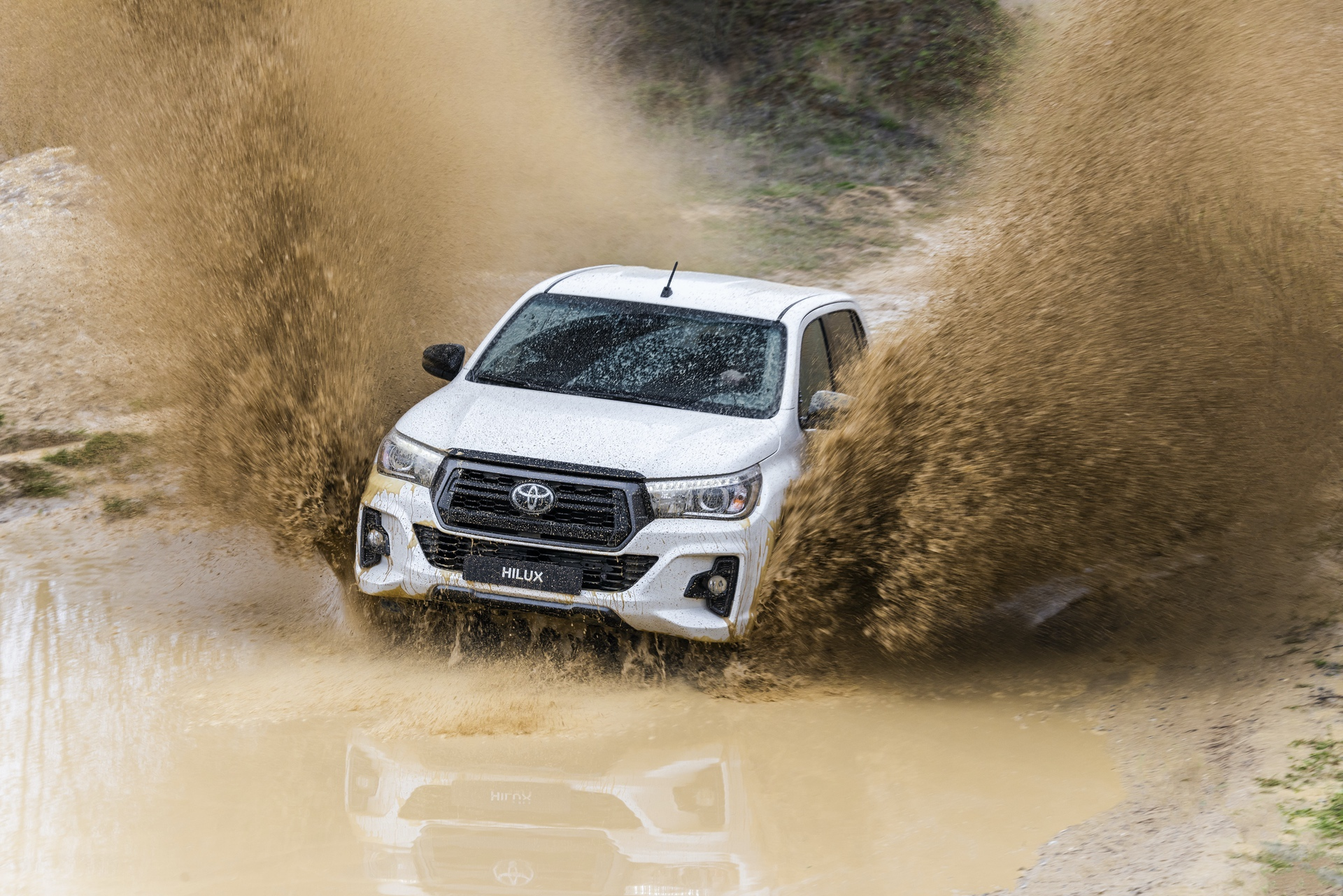 Toyota_Hilux_Special_Edition_0079