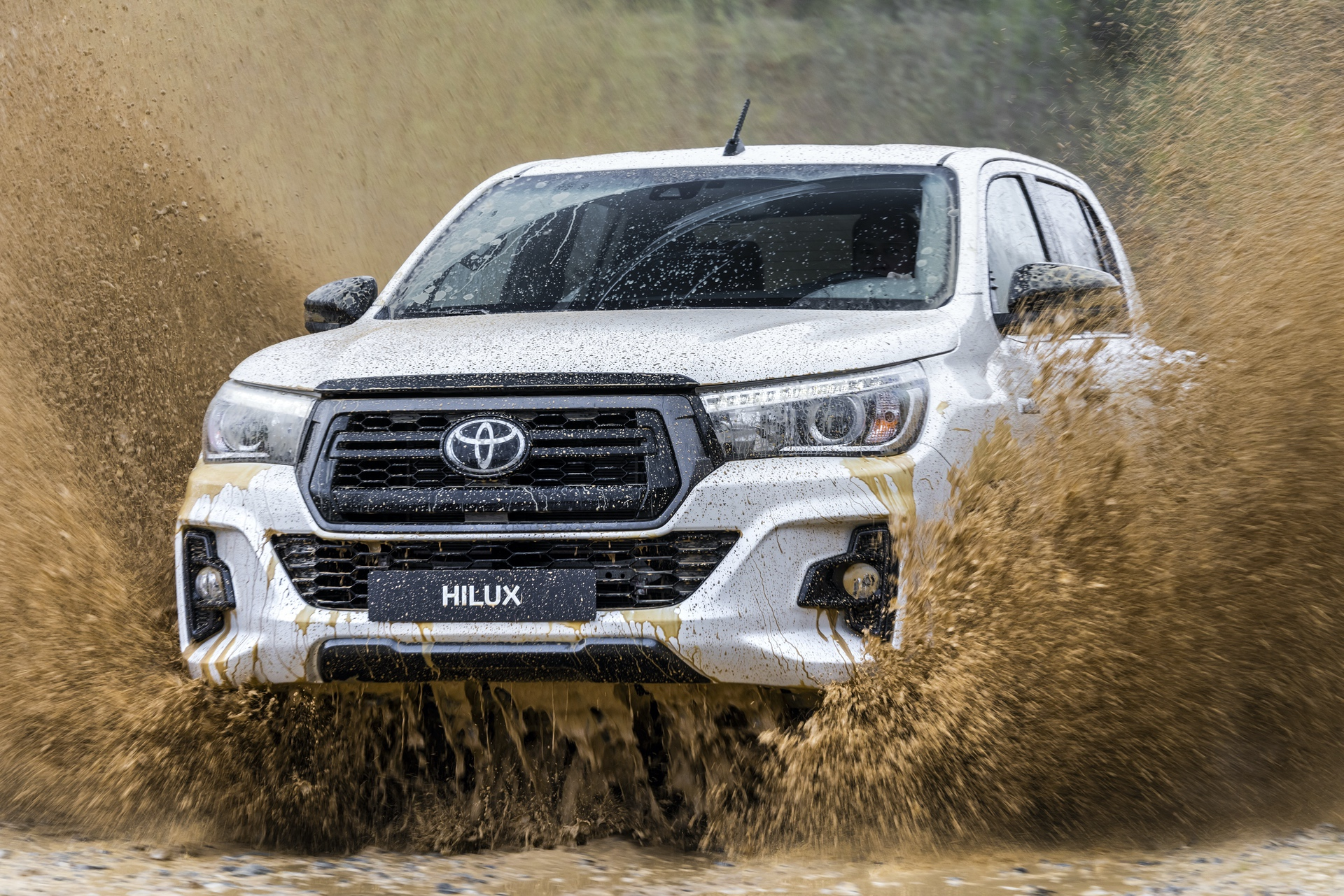 Toyota_Hilux_Special_Edition_0080