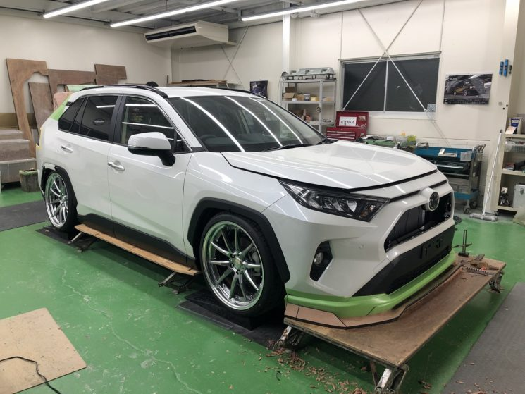Toyota-RAV4-by-Kuhl-Racing-3