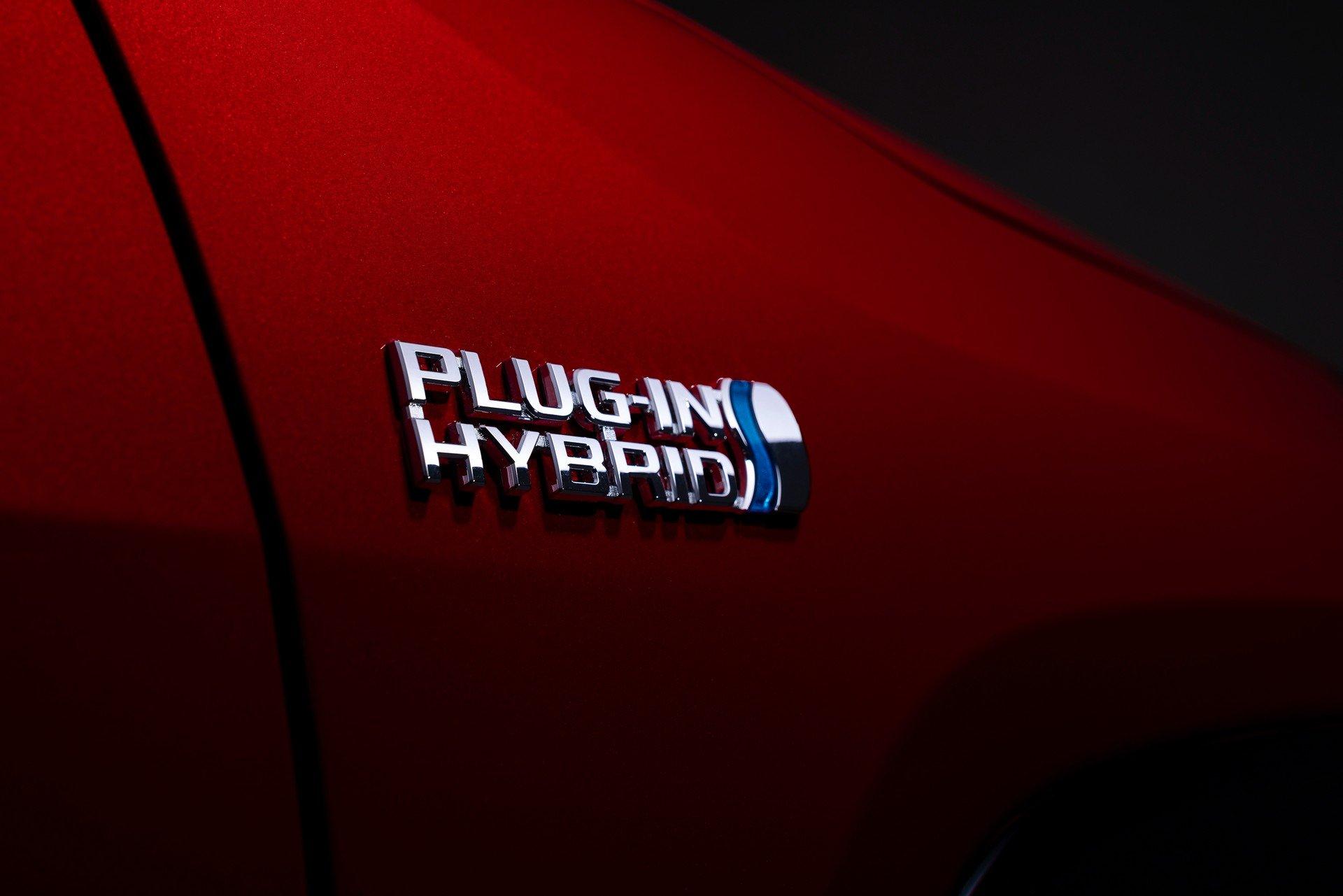 Toyota-RAV4-Plug-in-Hybrid-Prime-2020-16