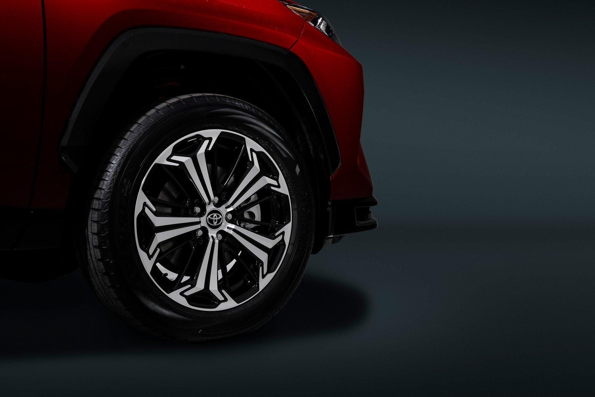 Toyota-RAV4-Plug-in-Hybrid-Prime-2020-18