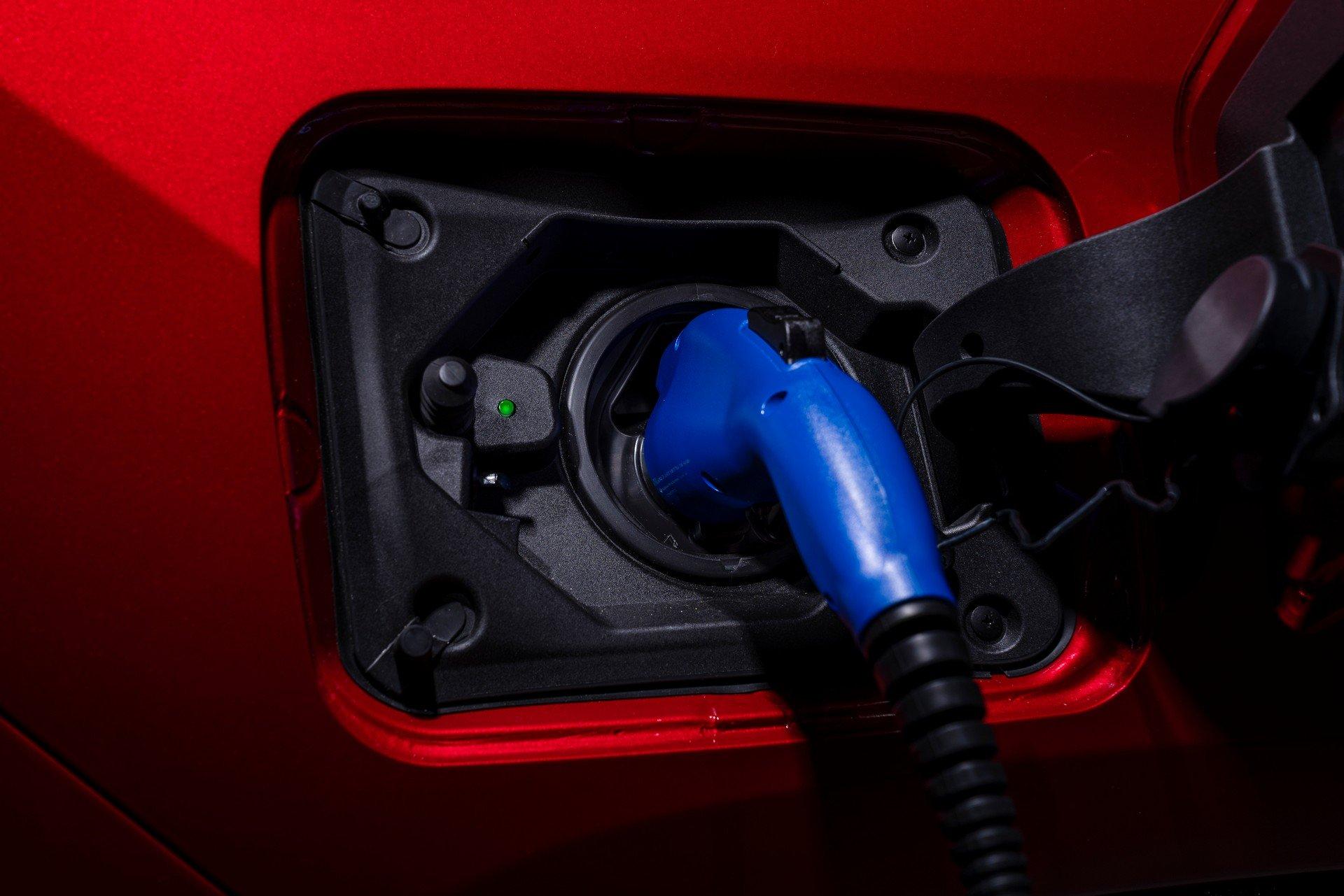 Toyota-RAV4-Plug-in-Hybrid-Prime-2020-21