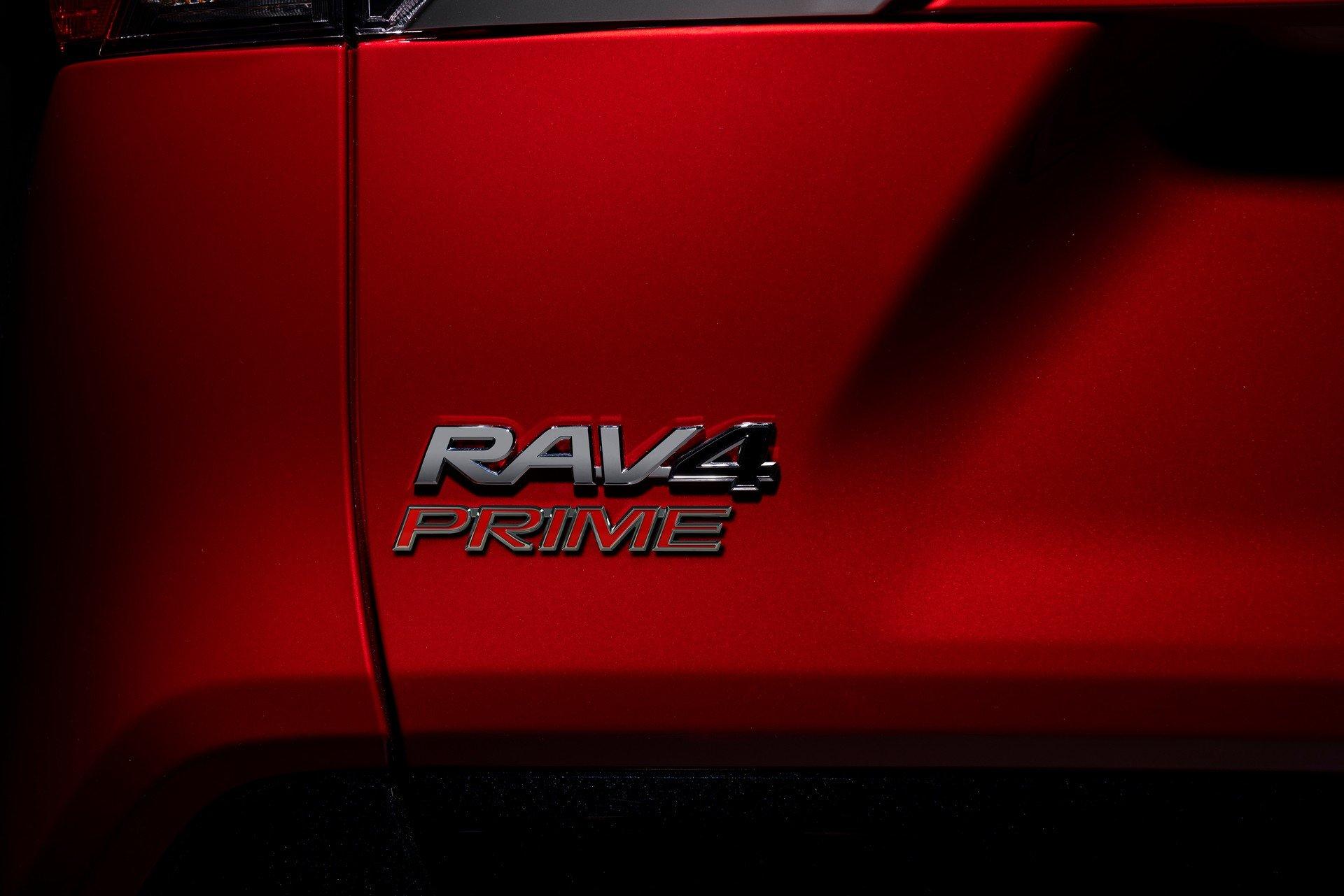 Toyota-RAV4-Plug-in-Hybrid-Prime-2020-22