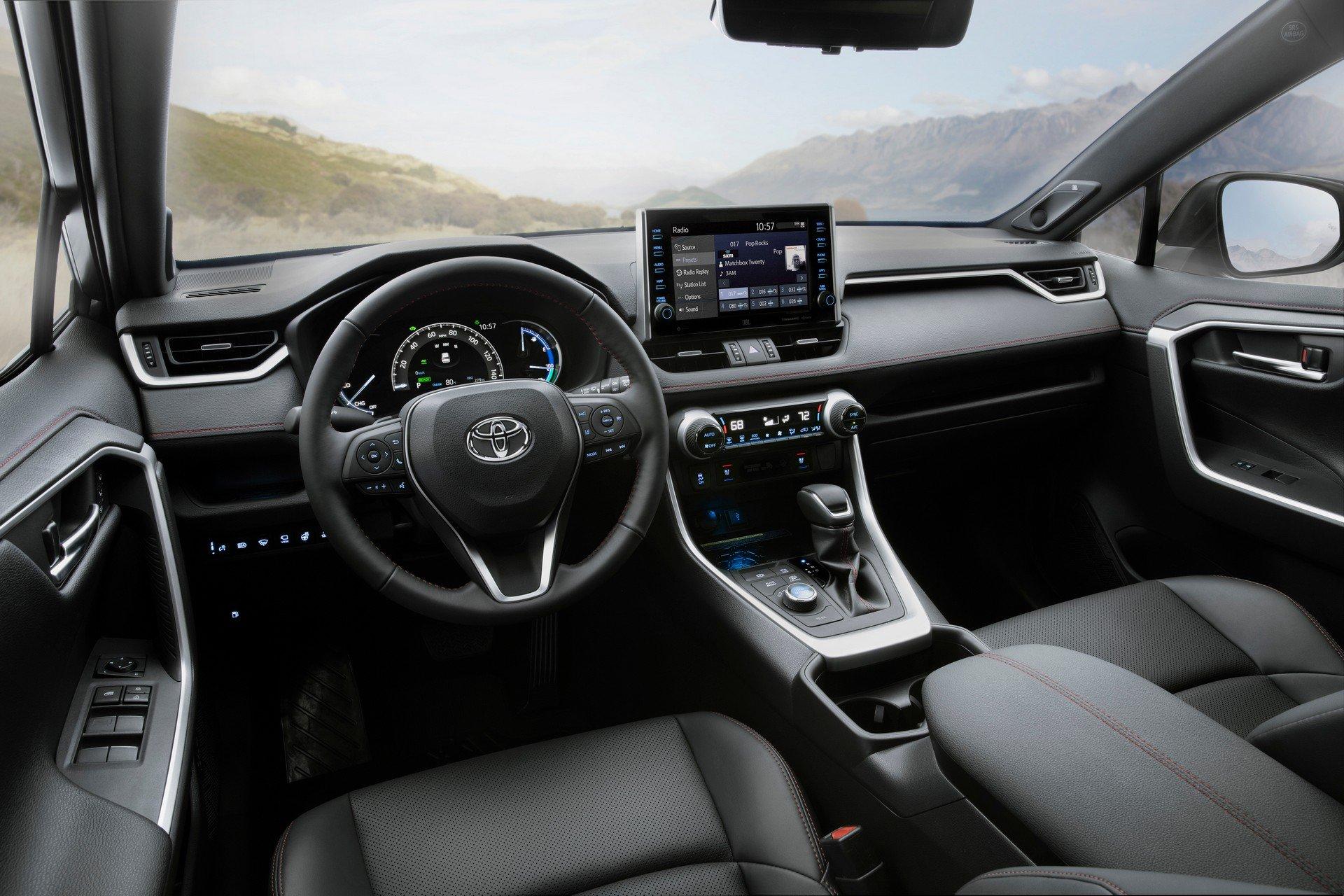 Toyota-RAV4-Plug-in-Hybrid-Prime-2020-24