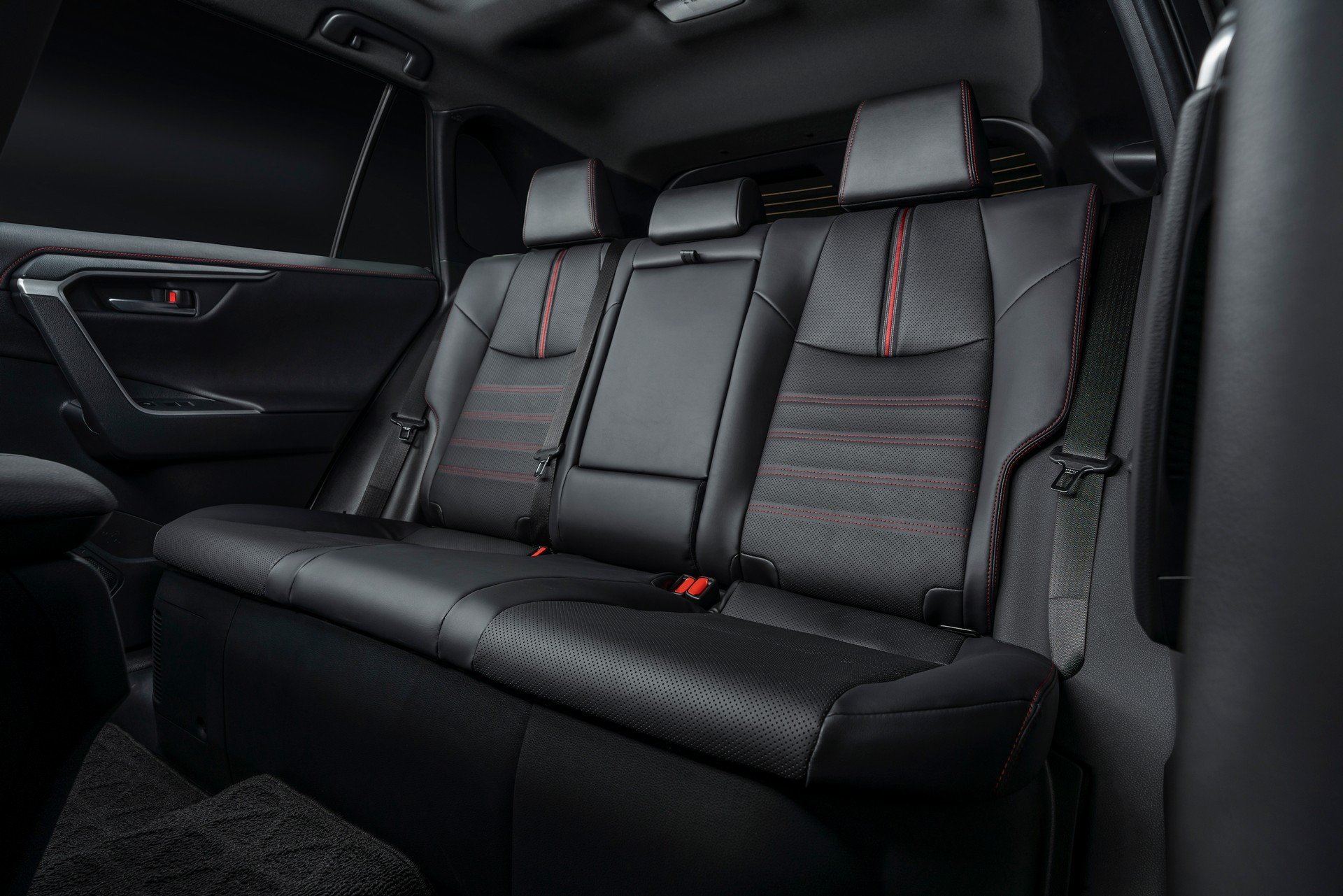 Toyota-RAV4-Plug-in-Hybrid-Prime-2020-29