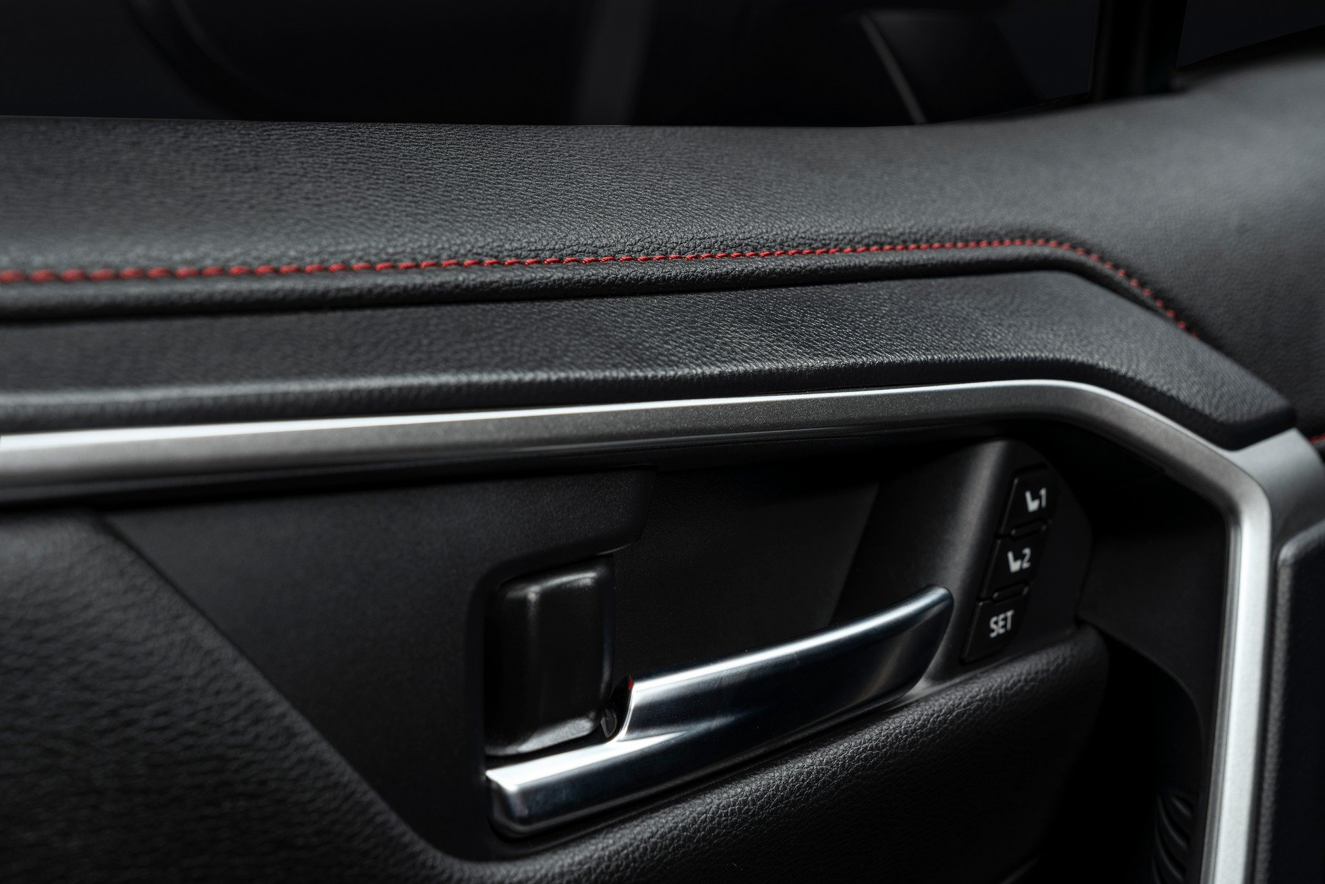 Toyota-RAV4-Plug-in-Hybrid-Prime-2020-31