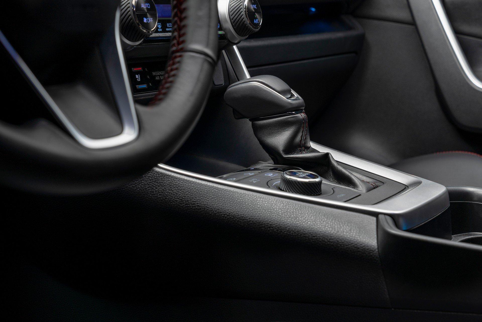 Toyota-RAV4-Plug-in-Hybrid-Prime-2020-32