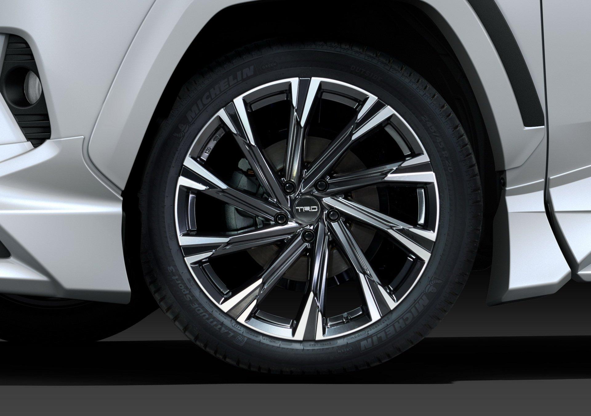 Toyota-RAV4-TRD-and-Modellista-6