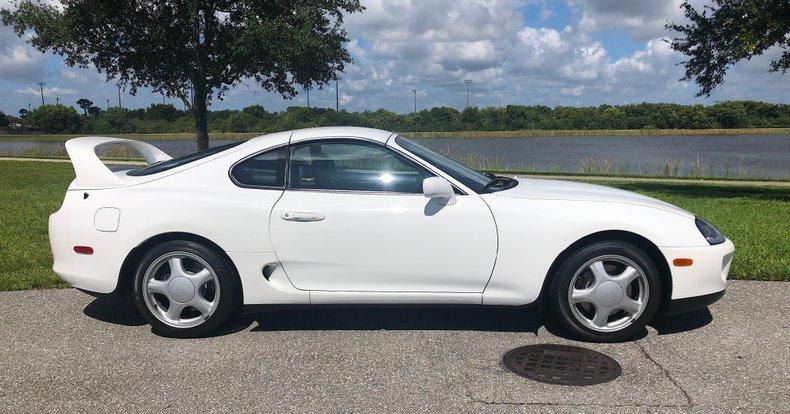 Toyota-Supra-Turbo-1994-white-for-sale-2