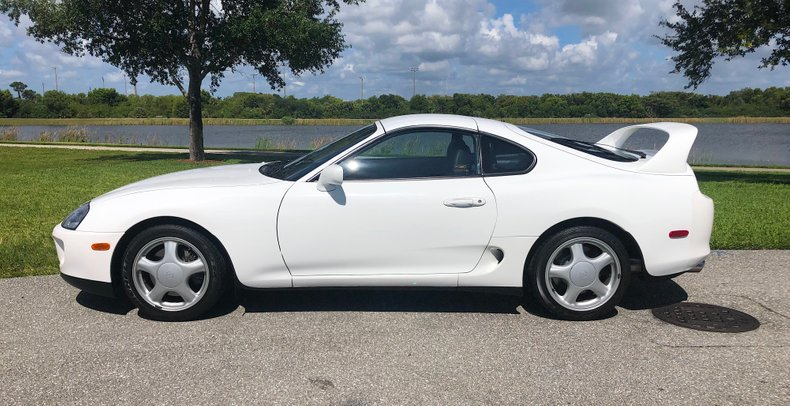 Toyota-Supra-Turbo-1994-white-for-sale-3