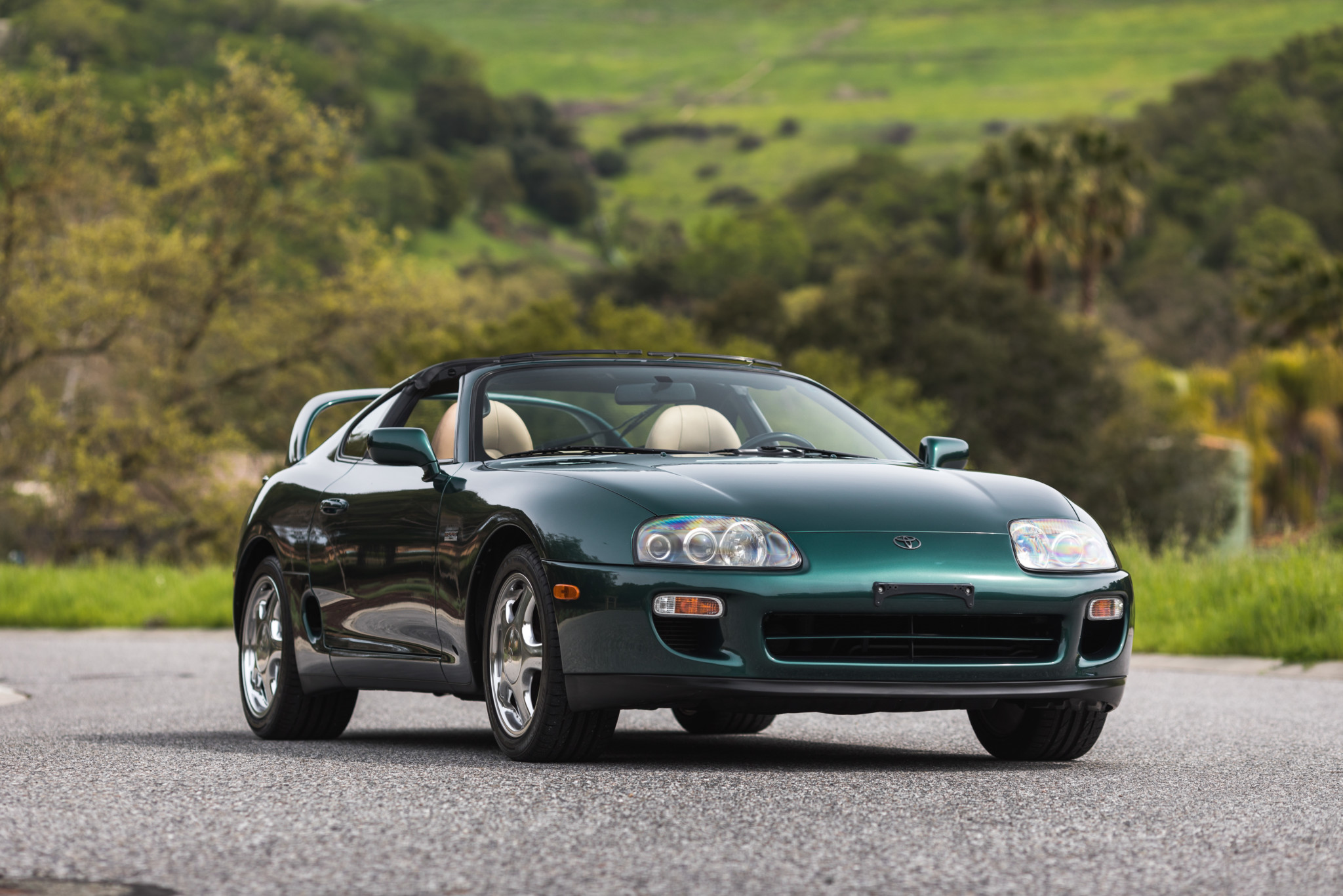 Toyota-Supra-Twin-Turbo-1997-sale-1