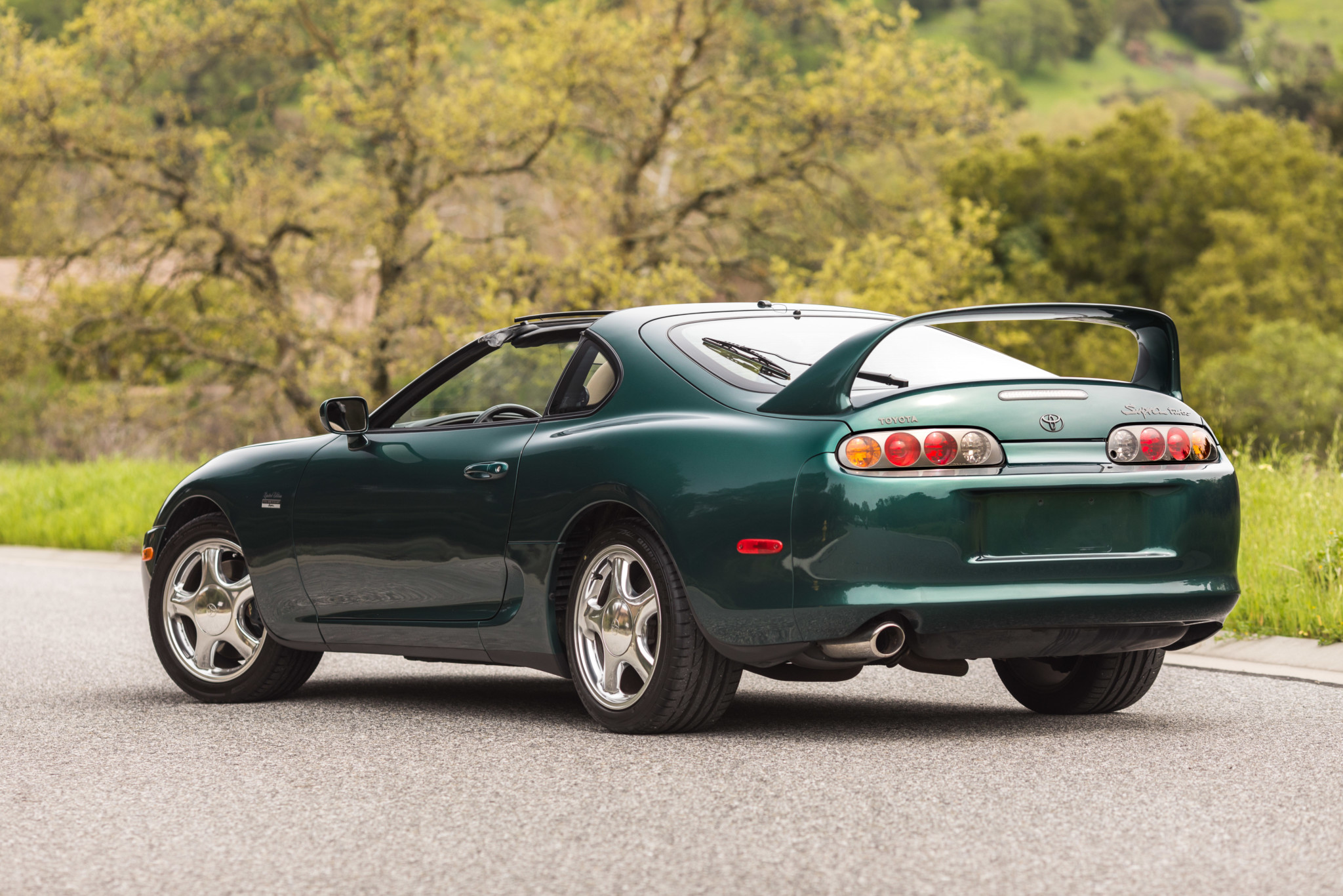 Toyota-Supra-Twin-Turbo-1997-sale-10