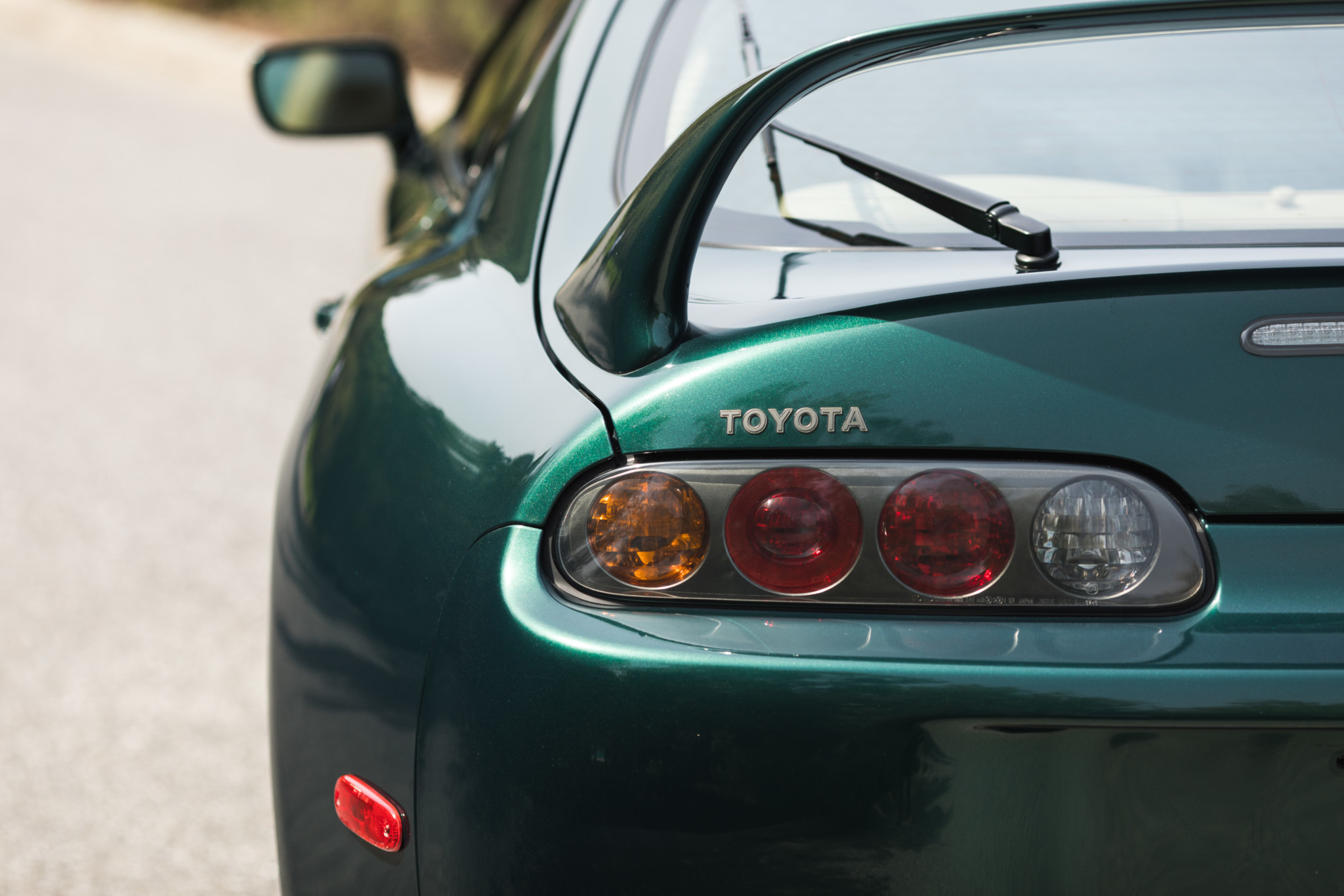 Toyota-Supra-Twin-Turbo-1997-sale-56