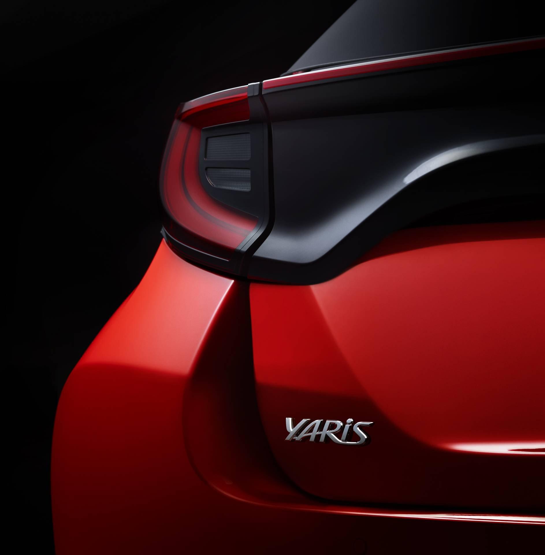 Toyota-Yaris-2020-11