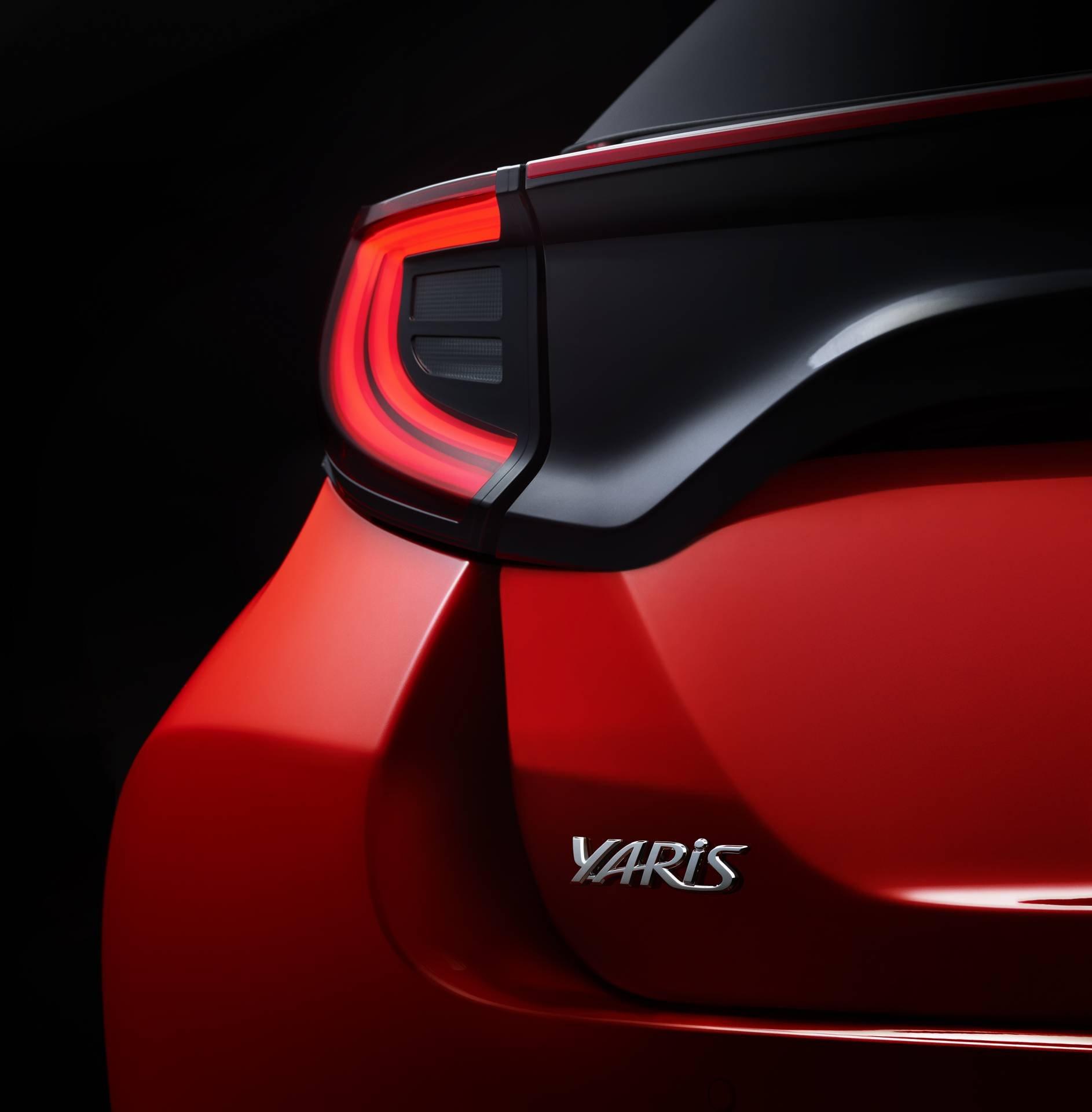 Toyota-Yaris-2020-13