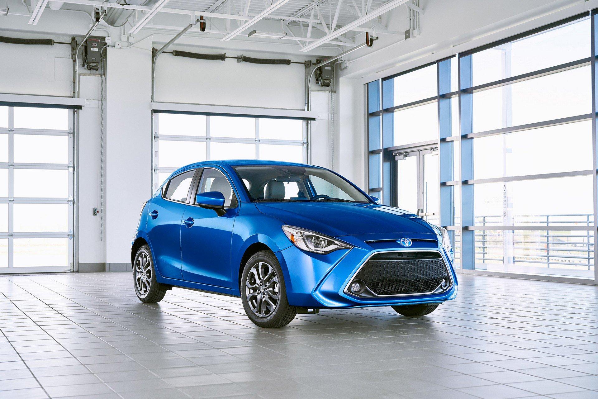 Toyota-Yaris-Hatchback-2020-1