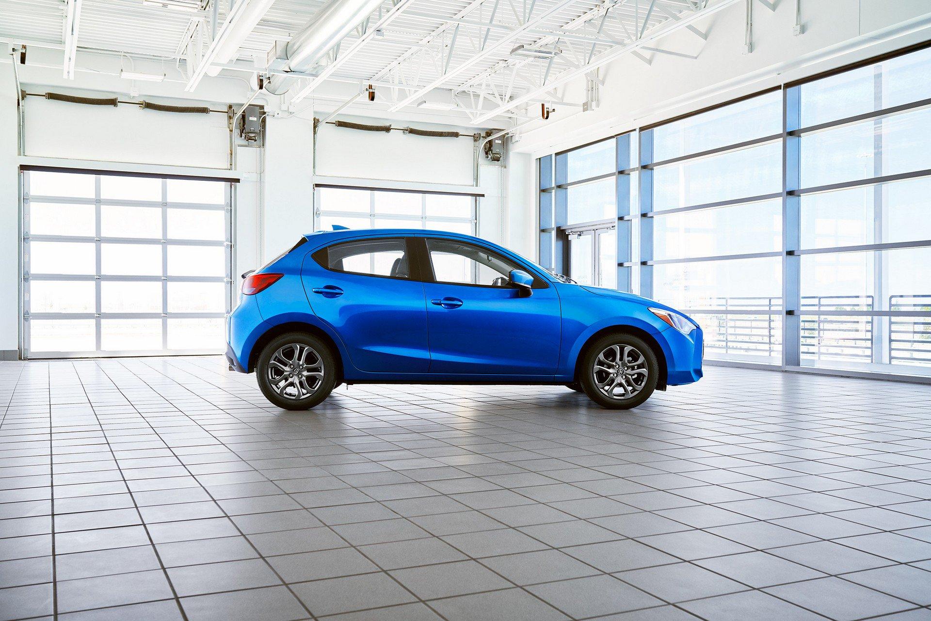 Toyota-Yaris-Hatchback-2020-3