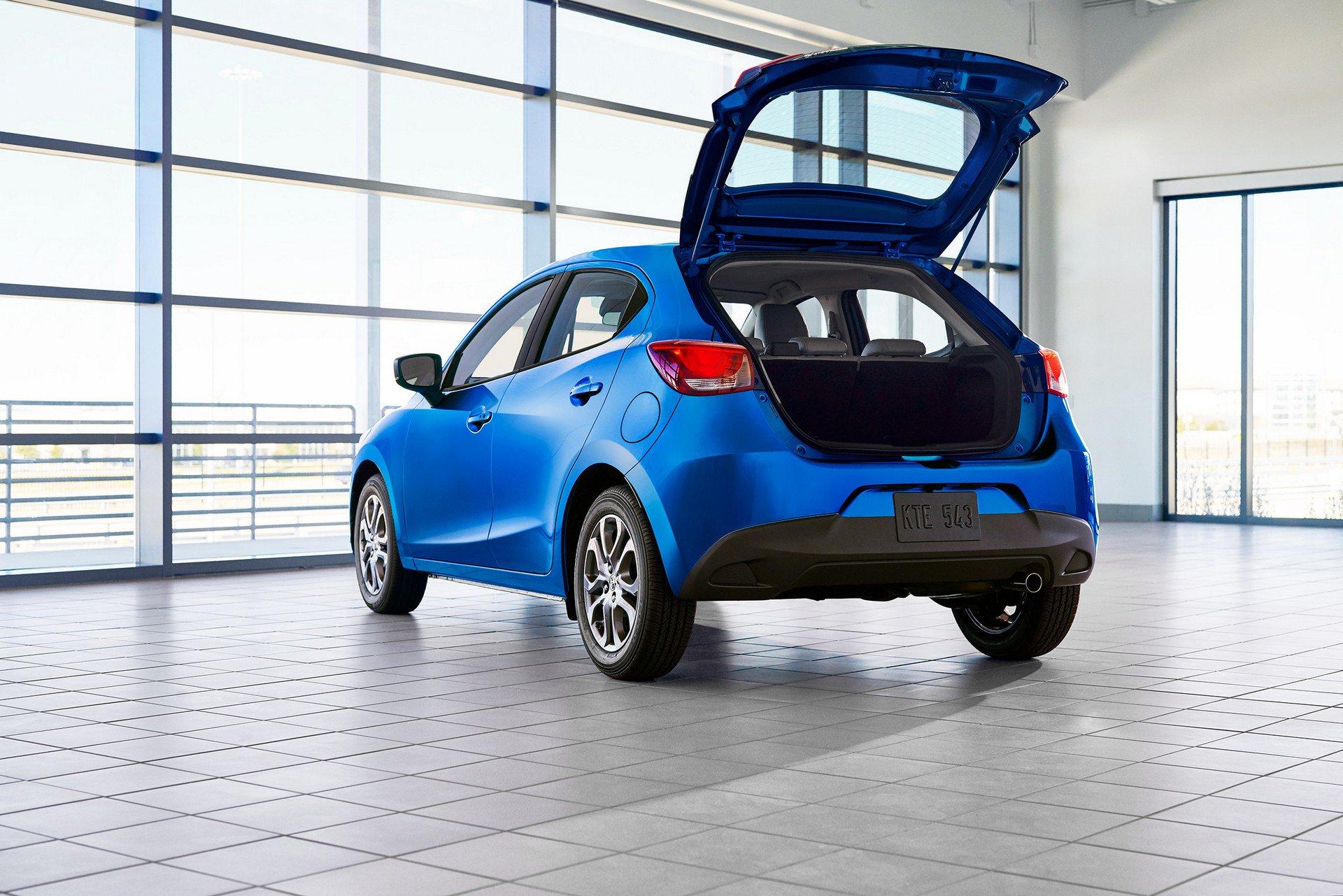 Toyota-Yaris-Hatchback-2020-4