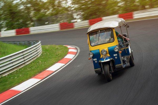tuk-tuk-nurburgring-3
