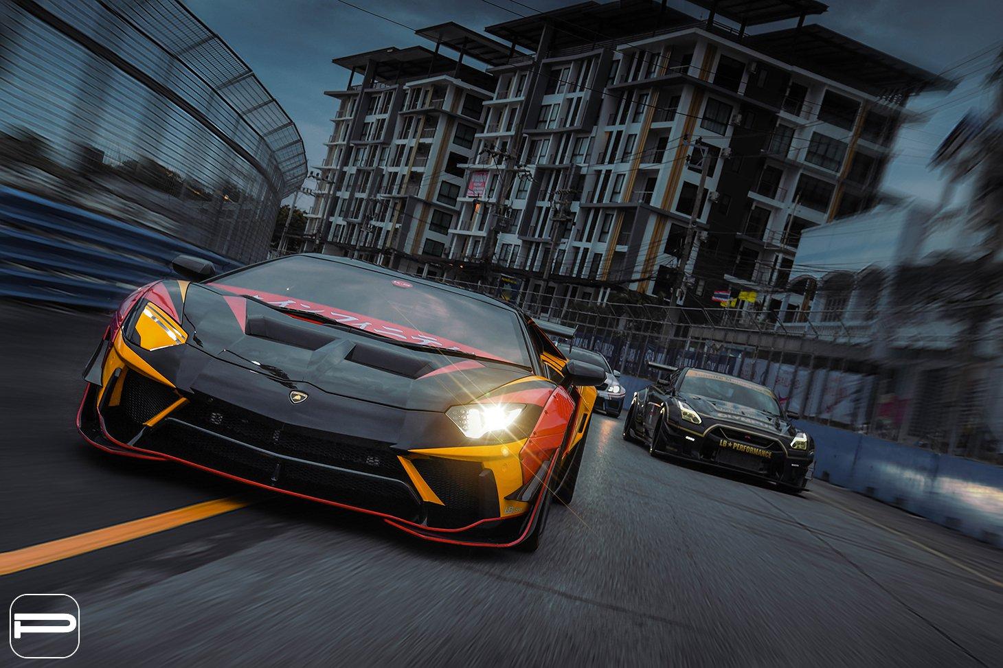 Lamborghini Aventador by Liberty Walk (10)