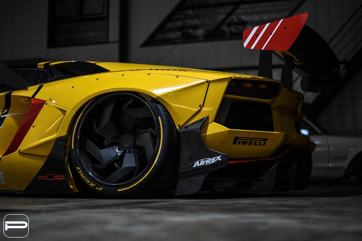 Lamborghini Aventador by Liberty Walk (6)