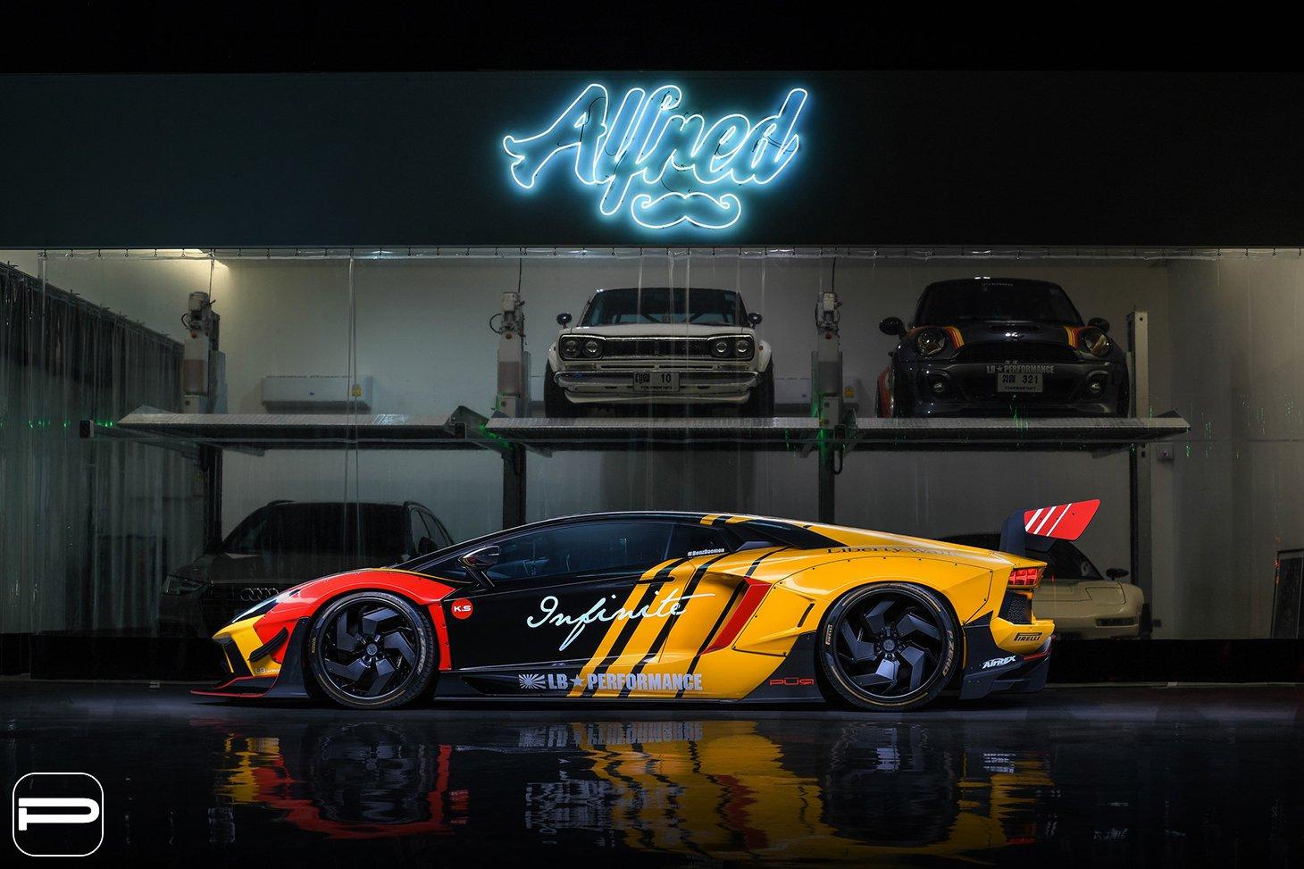 Lamborghini Aventador by Liberty Walk (9)