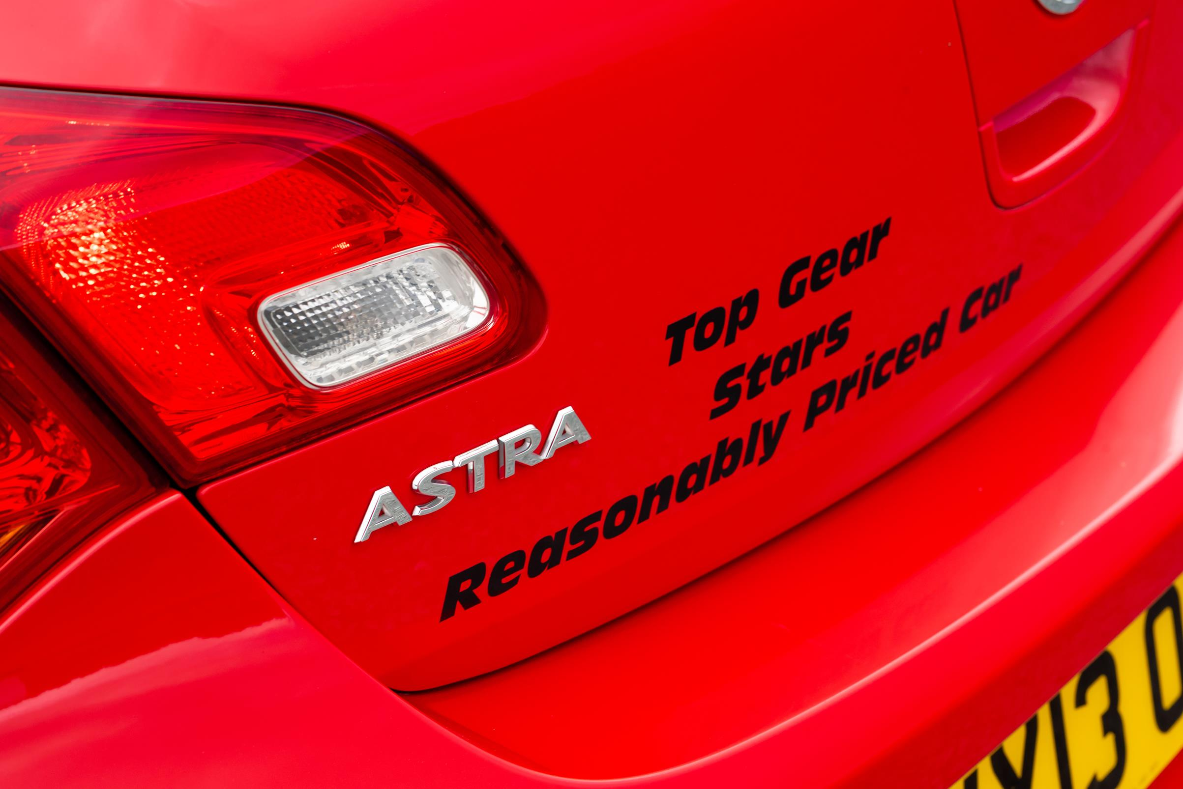 Vauxhall-Astra-Reasonably-Priced-Car-for-sale-41