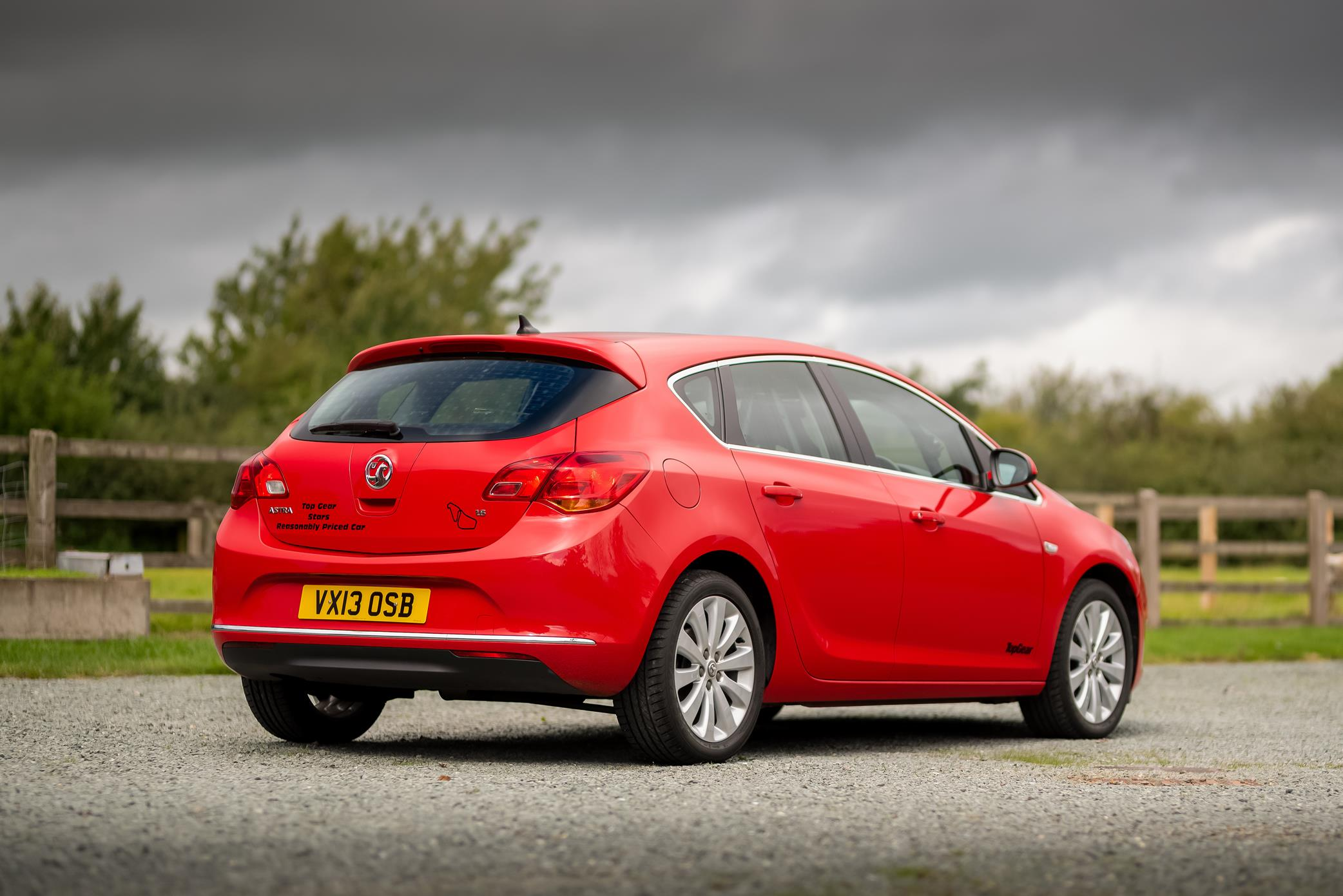 Vauxhall-Astra-Reasonably-Priced-Car-for-sale-5