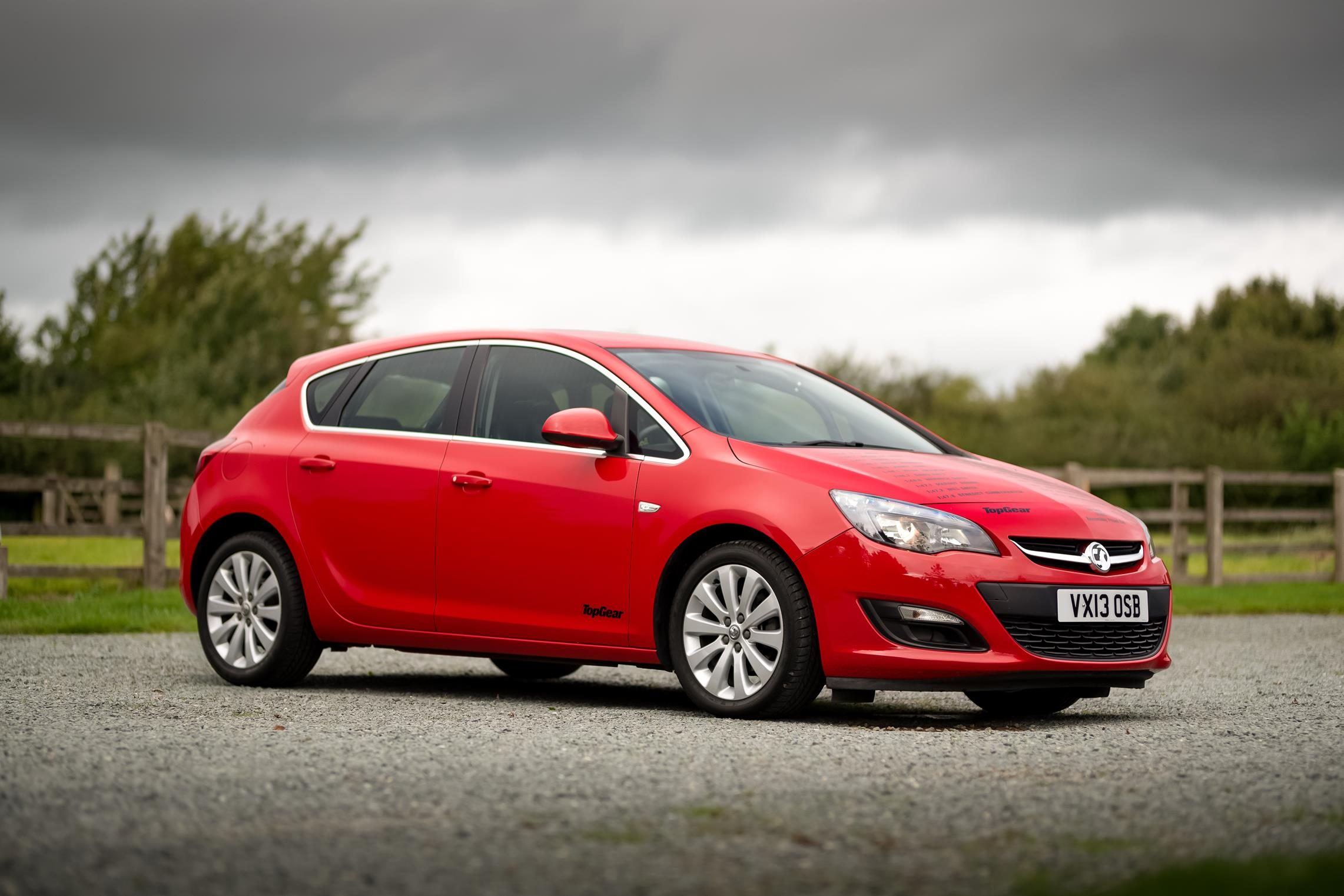 Vauxhall-Astra-Reasonably-Priced-Car-for-sale-7