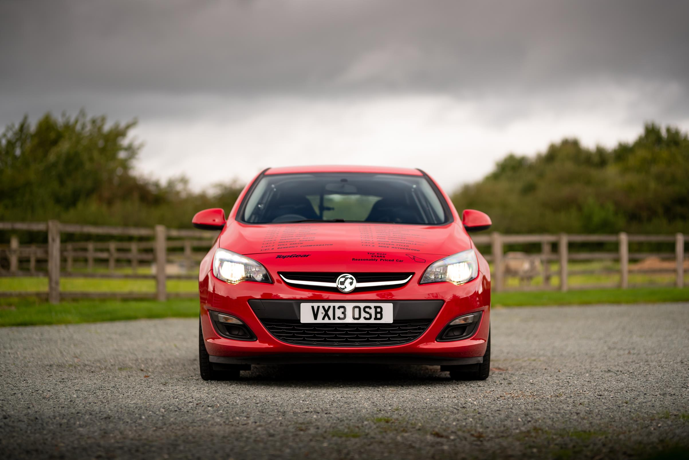 Vauxhall-Astra-Reasonably-Priced-Car-for-sale-8