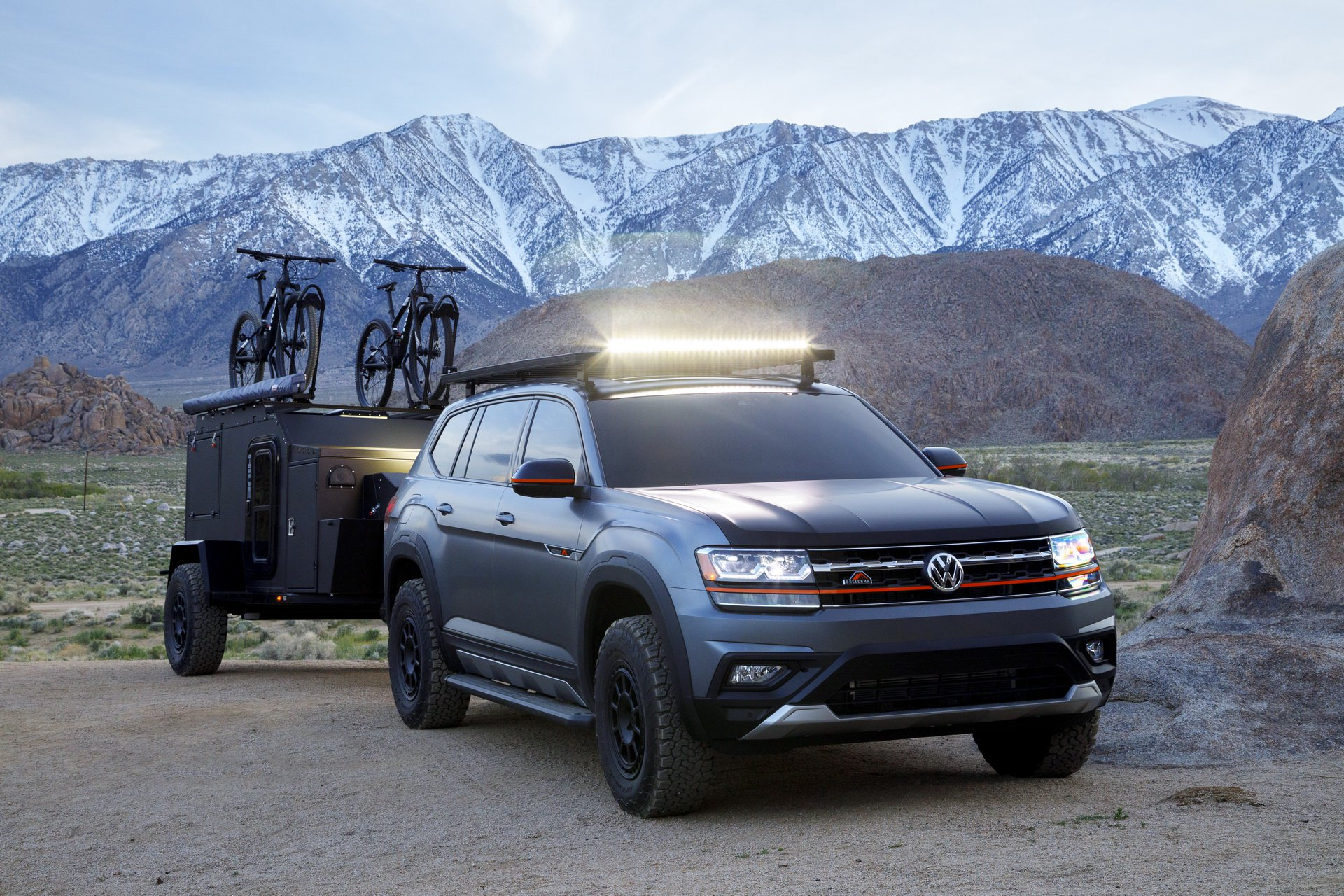 Volkswagen-Atlas-Basecamp-Concept-26