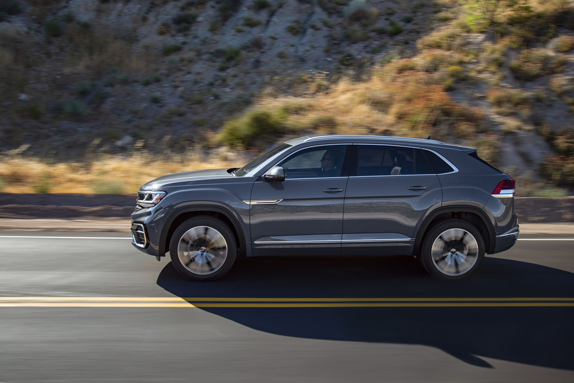 Volkswagen-Atlas-Cross-Sport-2020-11