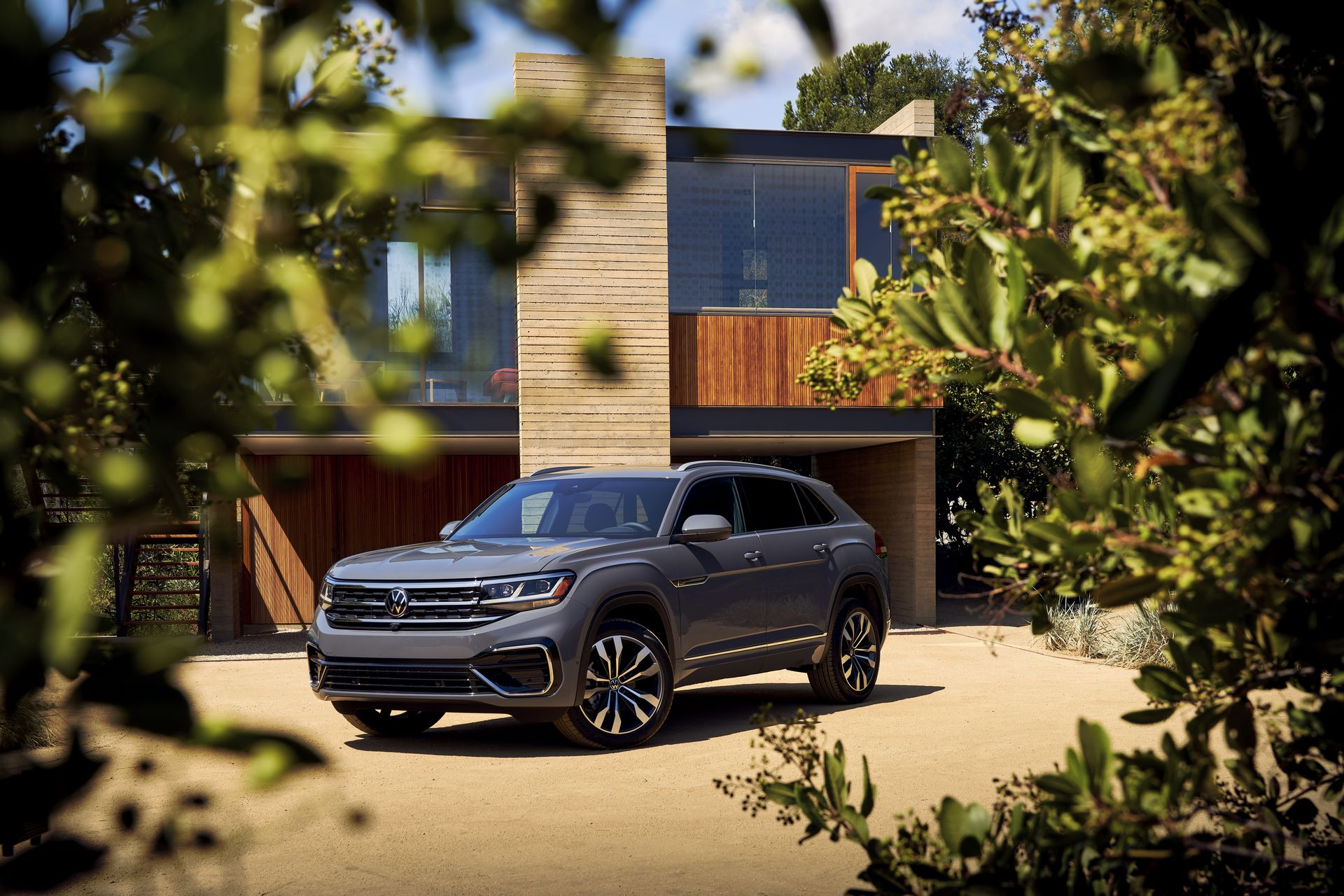 Volkswagen-Atlas-Cross-Sport-2020-21