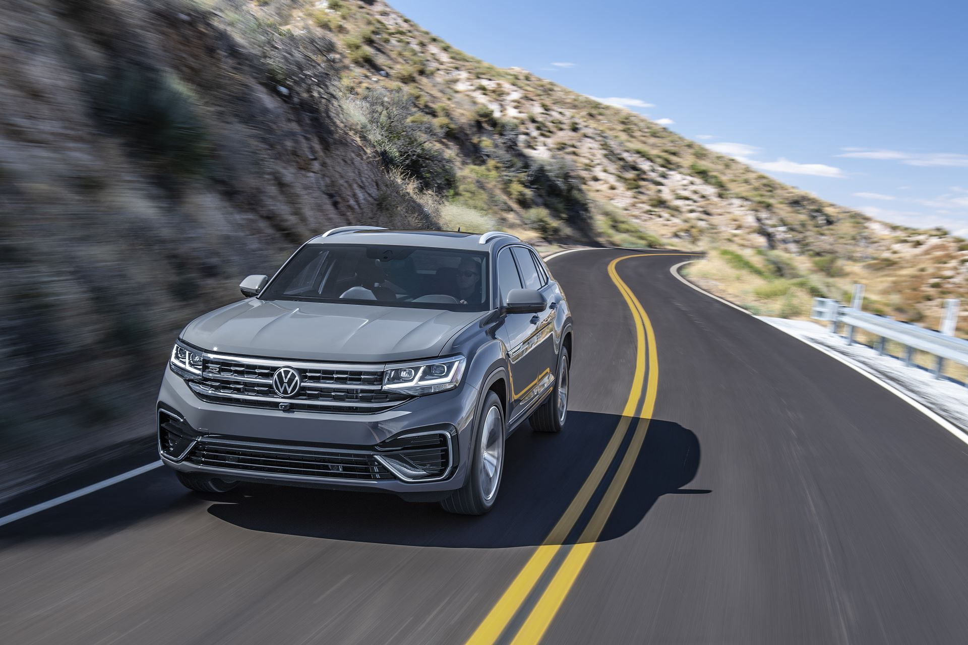 Volkswagen-Atlas-Cross-Sport-2020-3