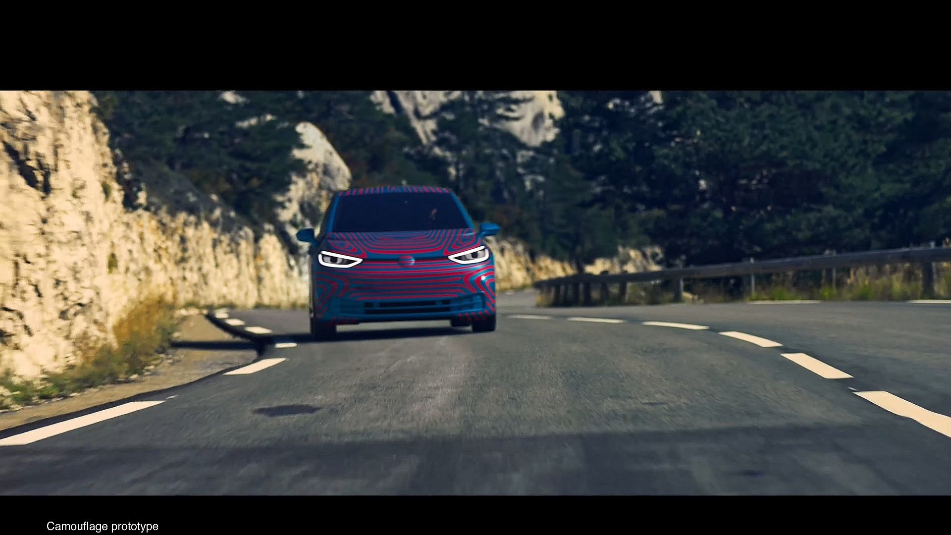 Το ηλεκτρικό volkswagen id3 αποκαλύπτεται  autobloggr