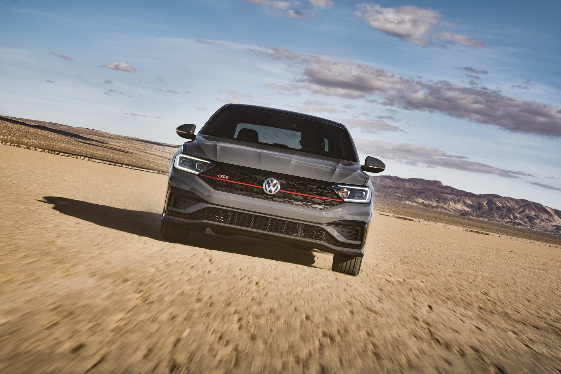 Volkswagen Jetta GLI (11)