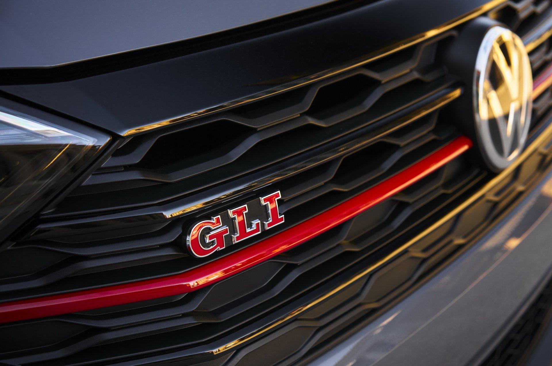 Volkswagen Jetta GLI (16)