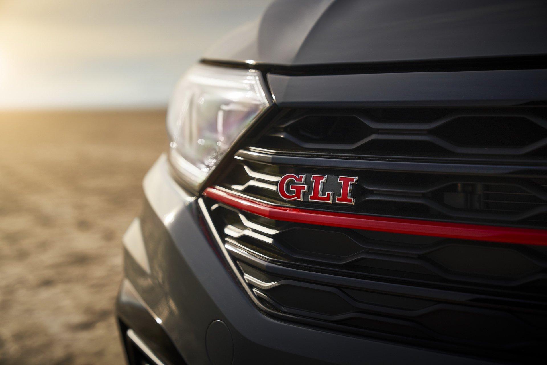 Volkswagen Jetta GLI (17)