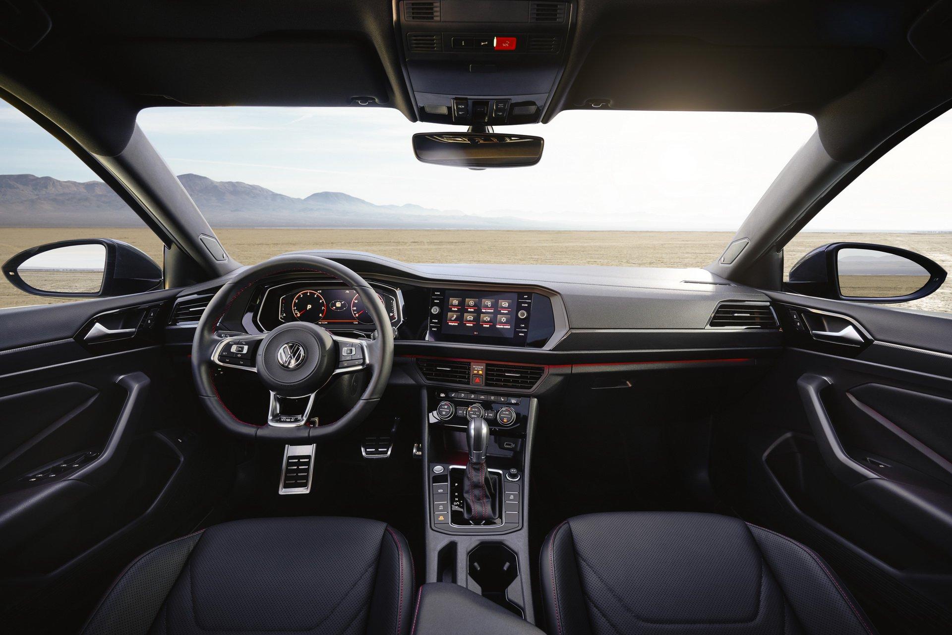 Volkswagen Jetta GLI (20)