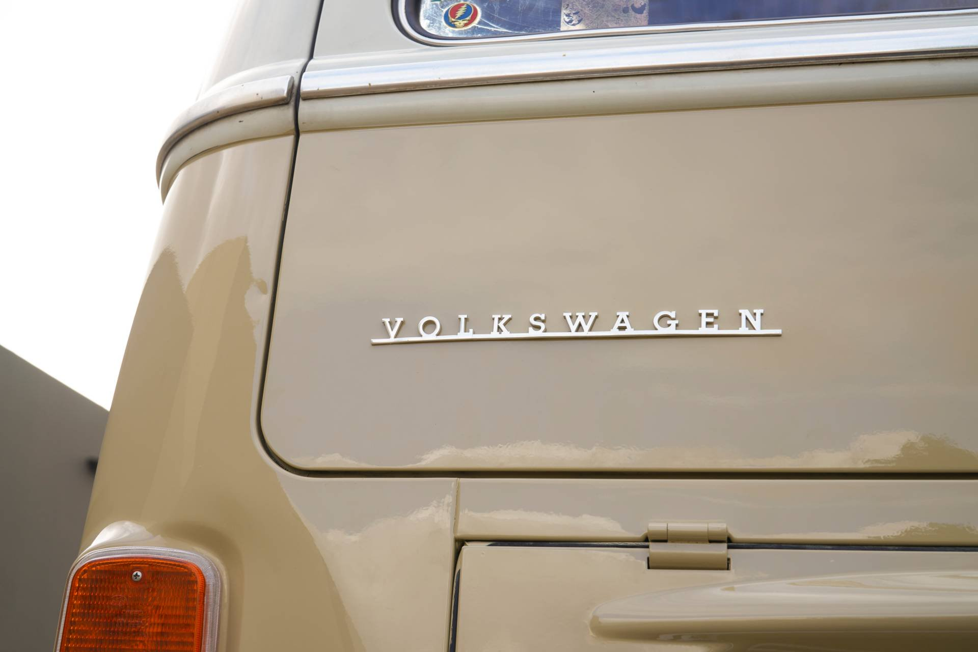 Volkswagen-Type-2-1972-with-e-Golf-engine-11