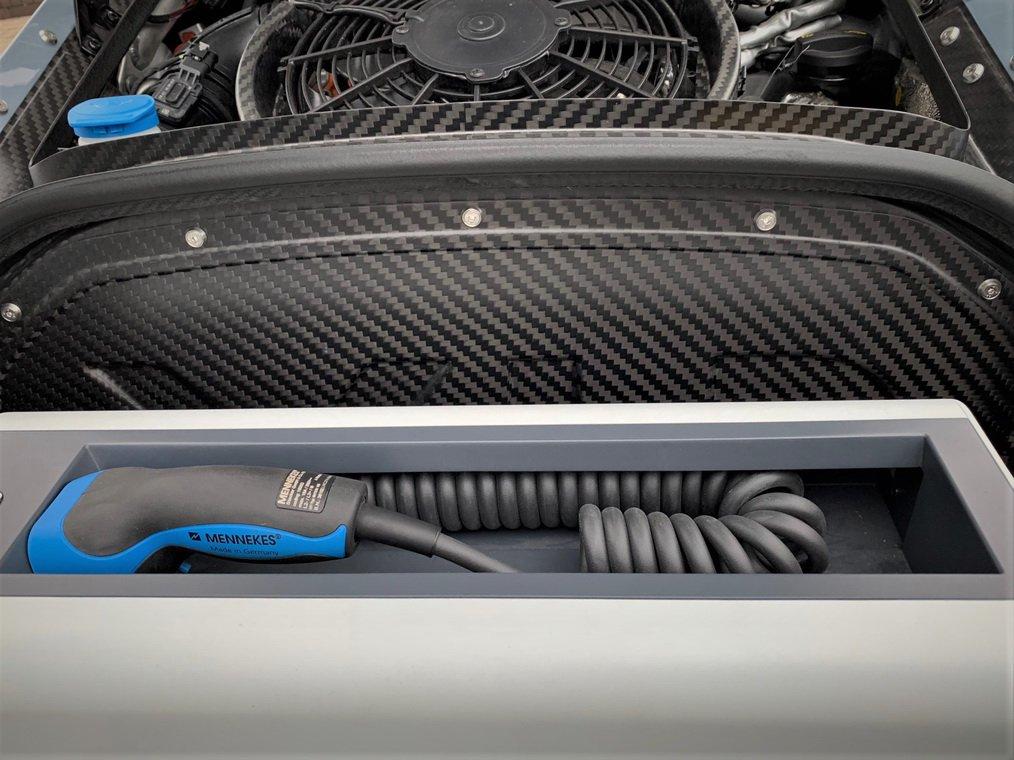 Volkswagen XL1 auction (8)